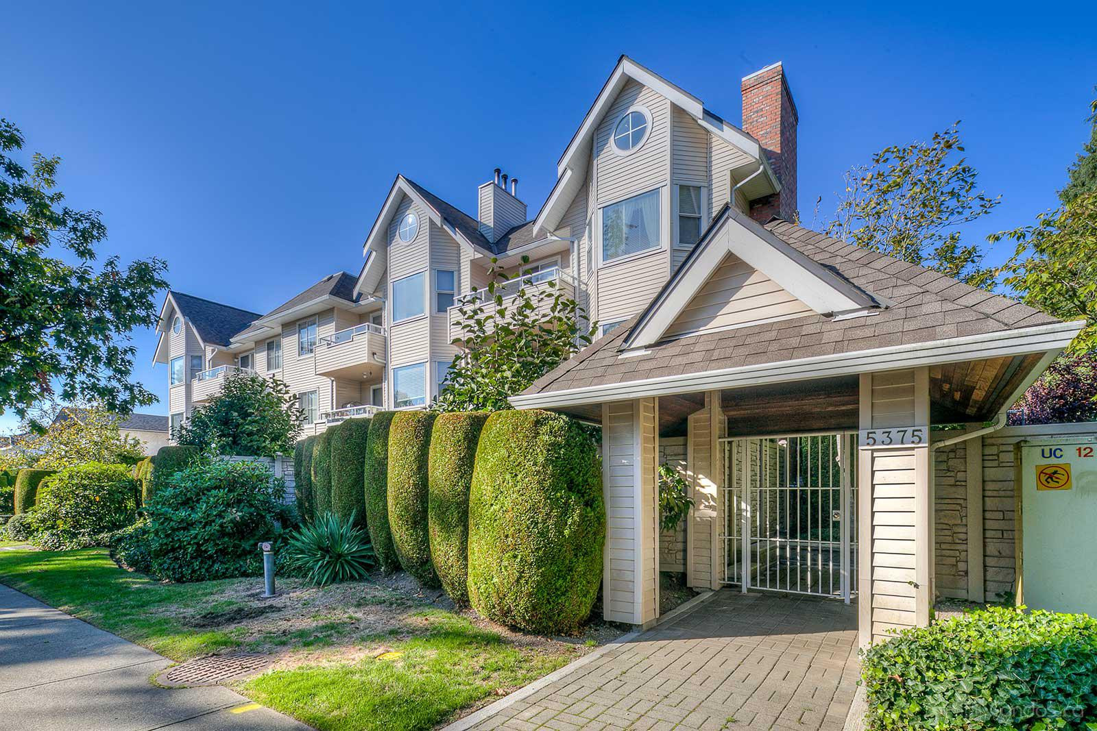 The Courtyard at 5375 Victory St, Burnaby 0