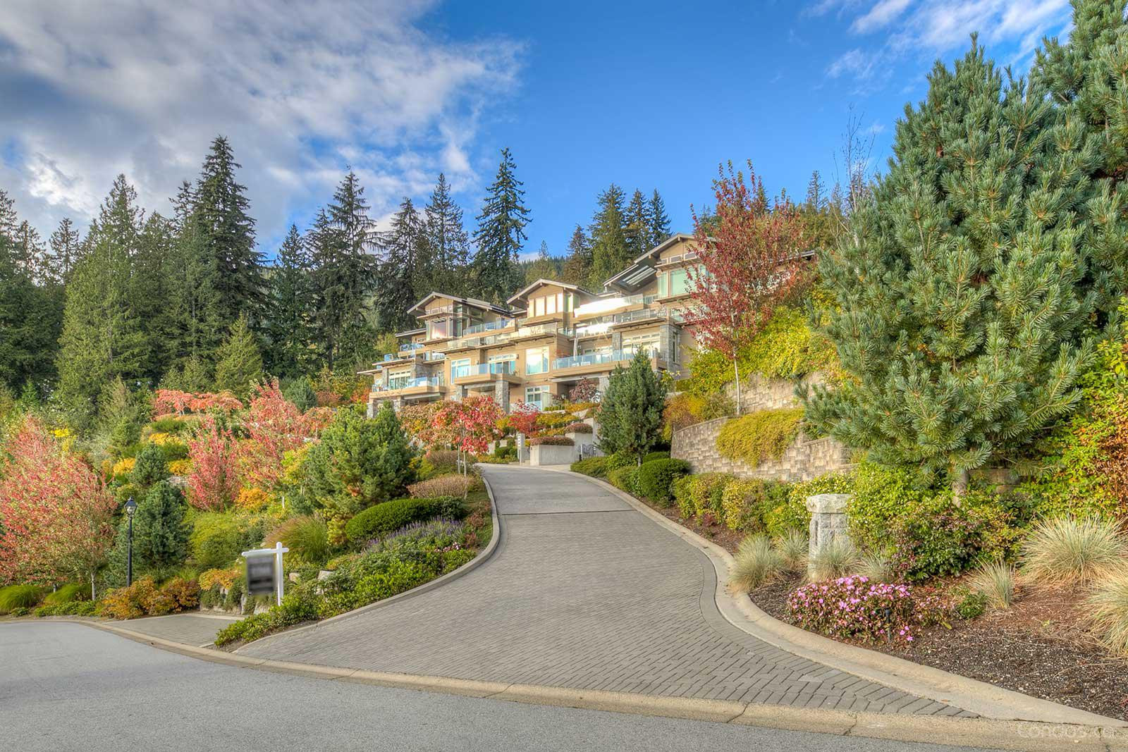 The Aerie at 2575 Garden Court, West Vancouver 1