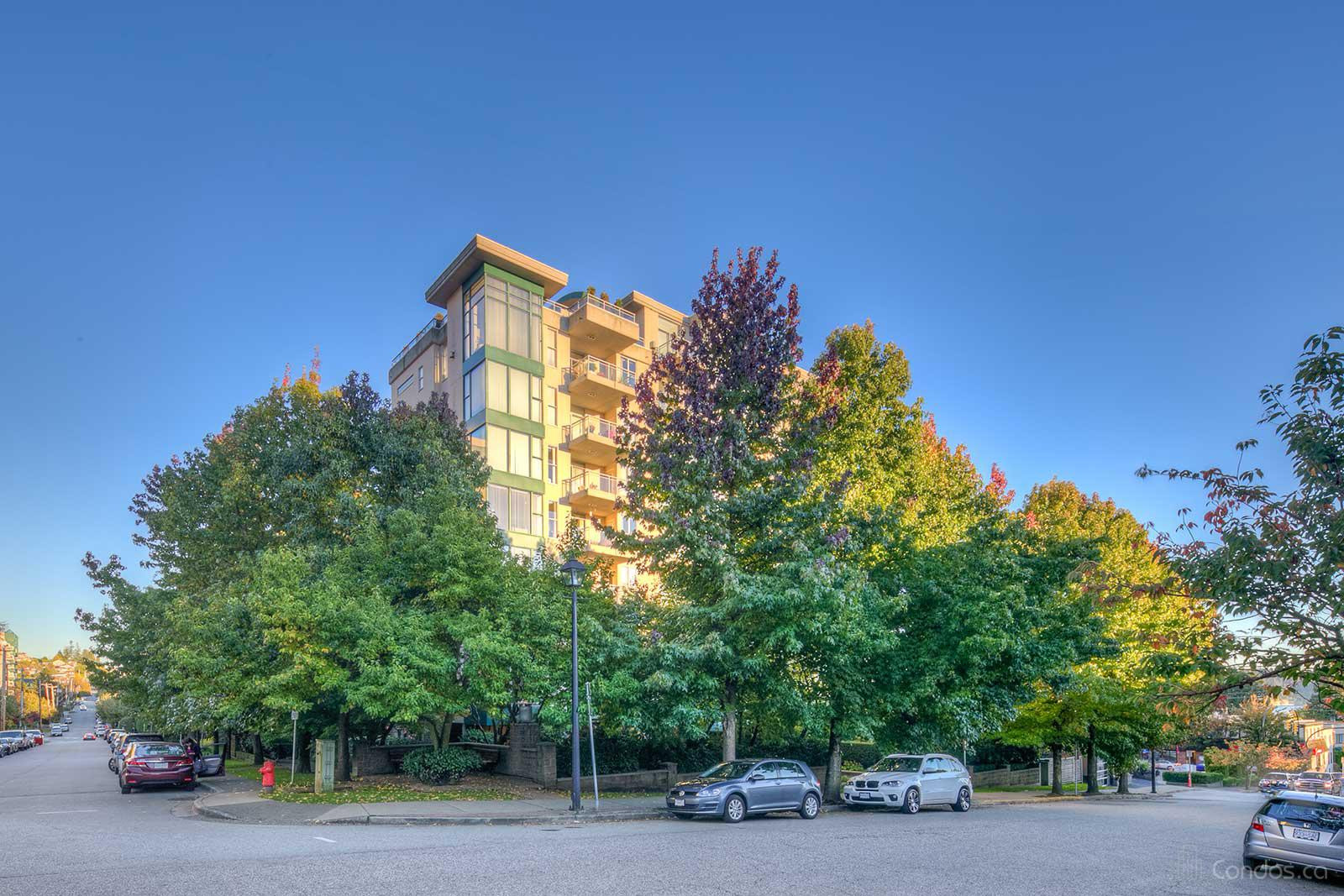 The Tides at 588 16th St, West Vancouver 0