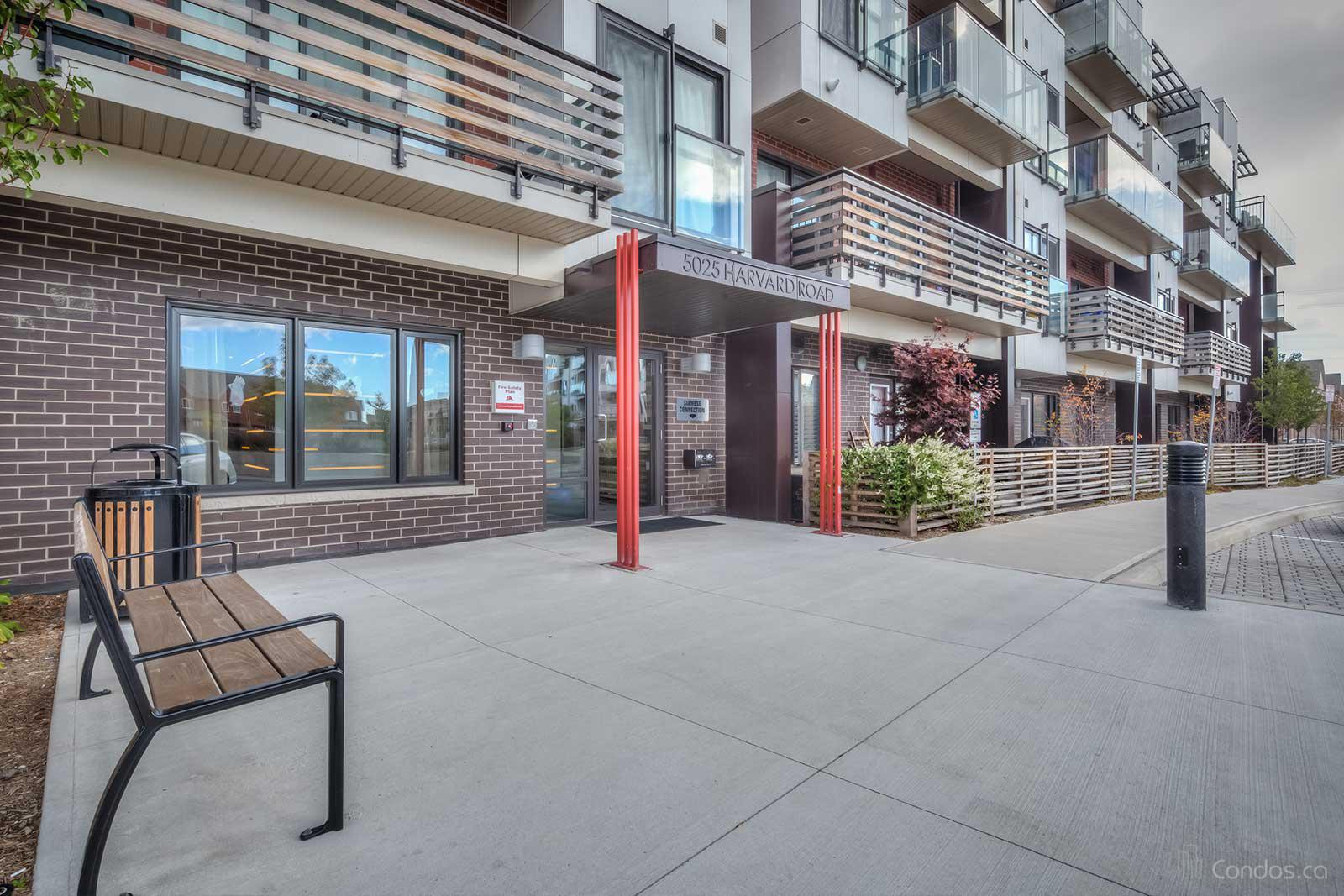 Hot Condos at 5025 Harvard Rd, Mississauga 1