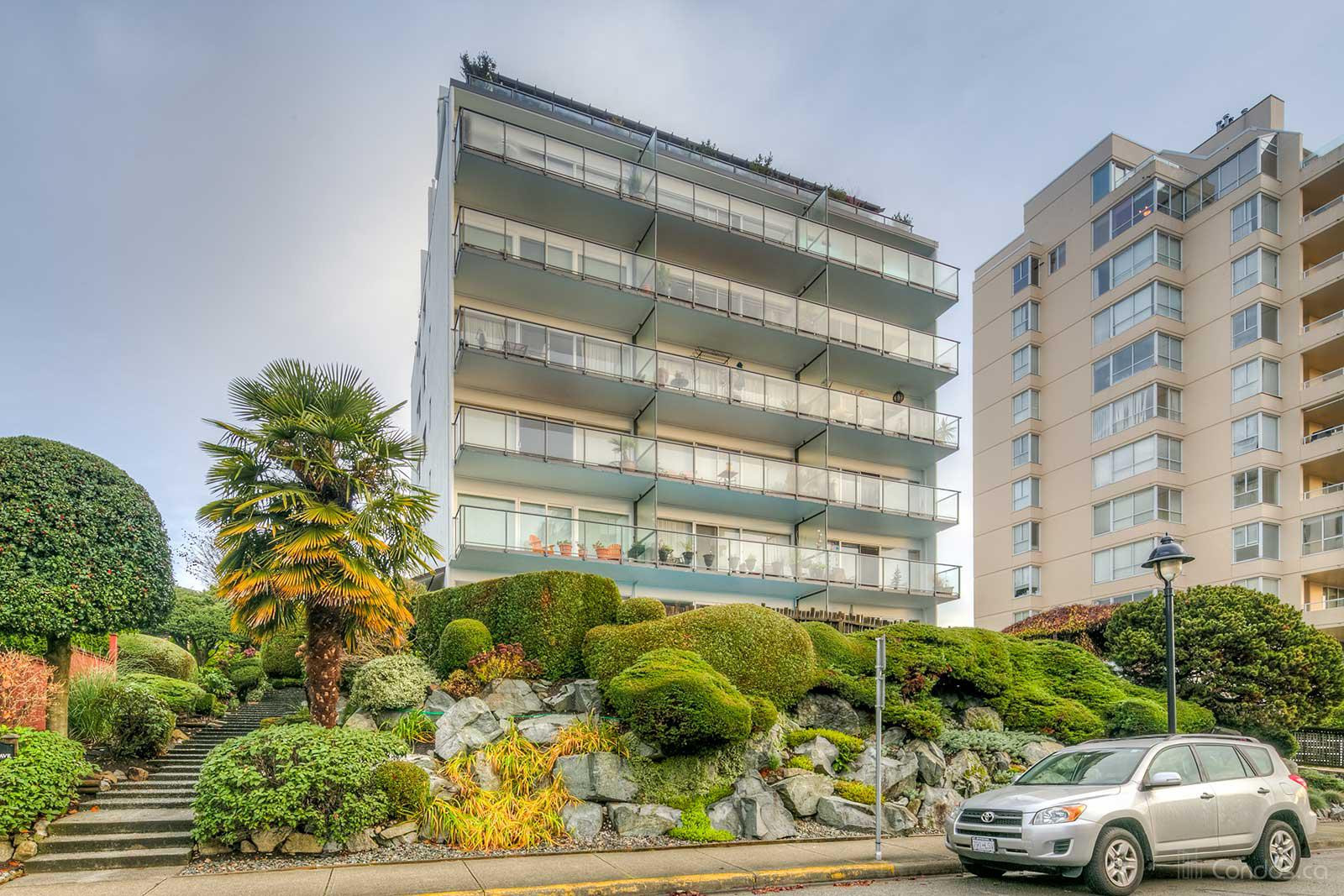 Mauna Loa at 1845 Bellevue Ave, West Vancouver 0