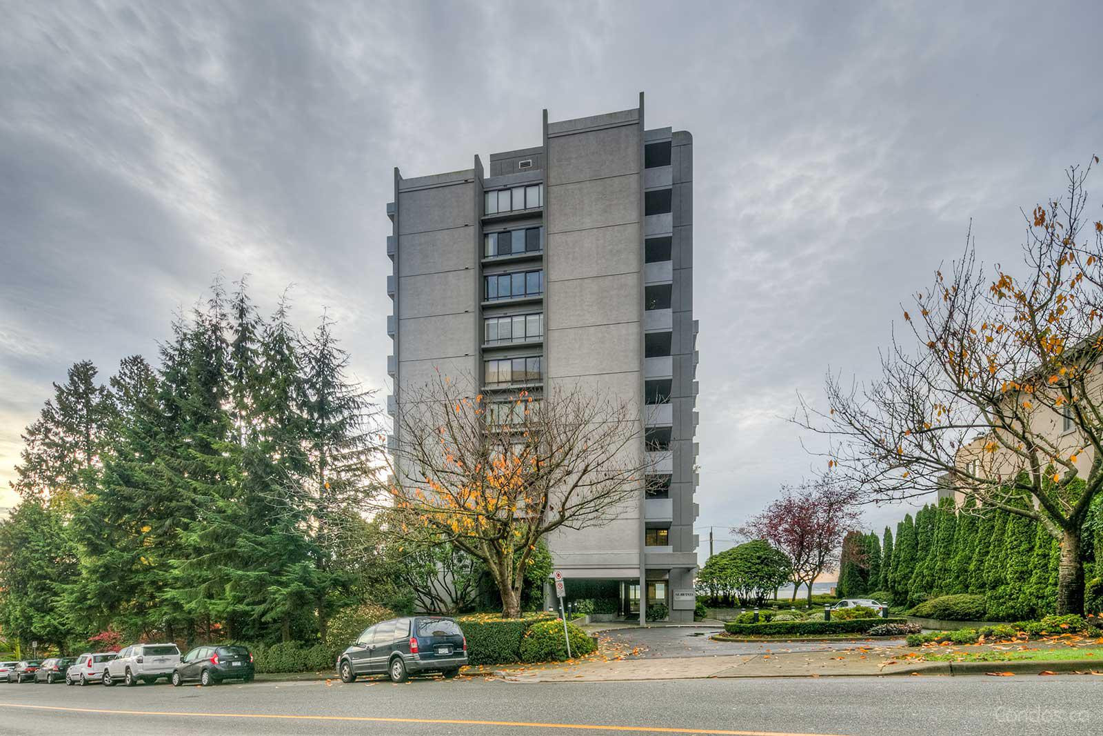 Sea Wind at 1930 Bellevue Ave, West Vancouver 0