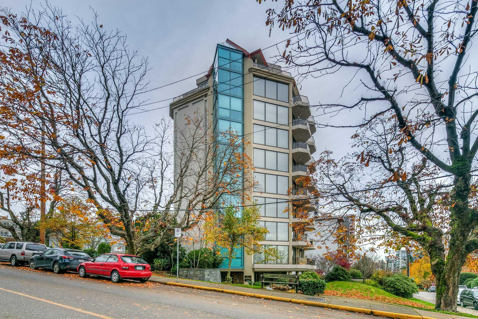 The Heritage at 1689 Duchess Ave, West Vancouver 0