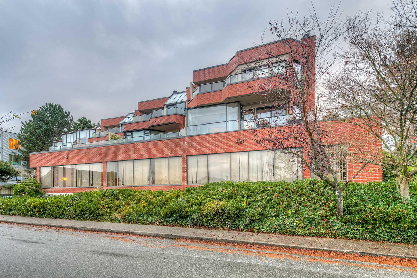 Regency Place at 2408 Haywood Ave, West Vancouver 0