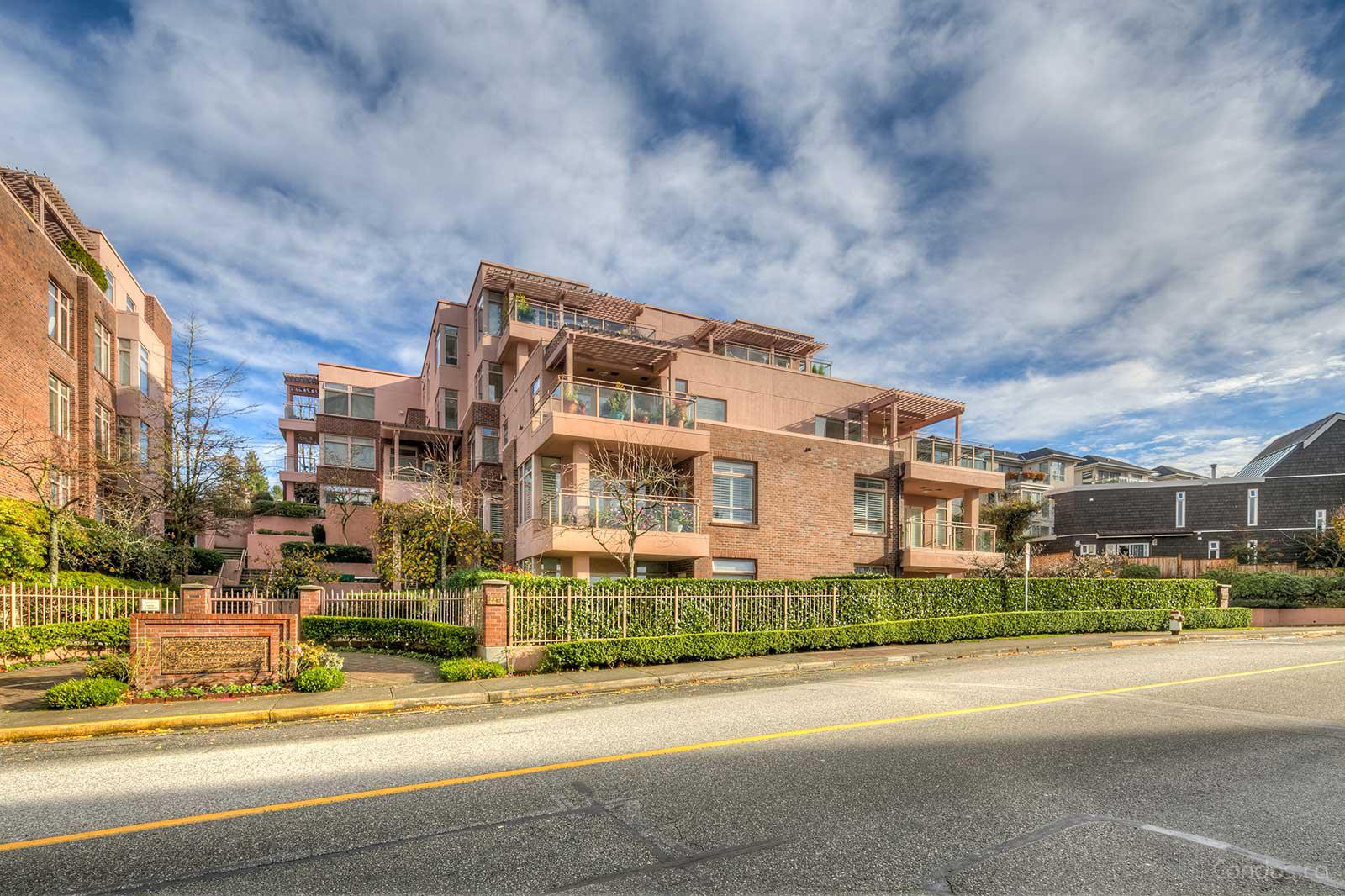 The Rosemont at 2271 Bellevue Ave, West Vancouver 0