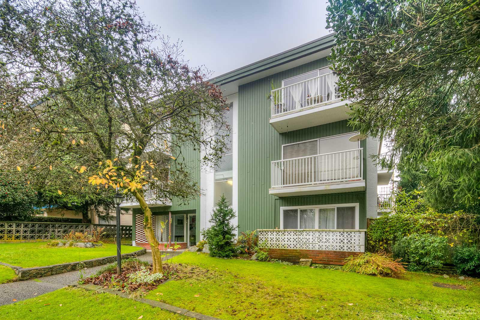Lions View at 135 20th St E, North Vancouver City 0