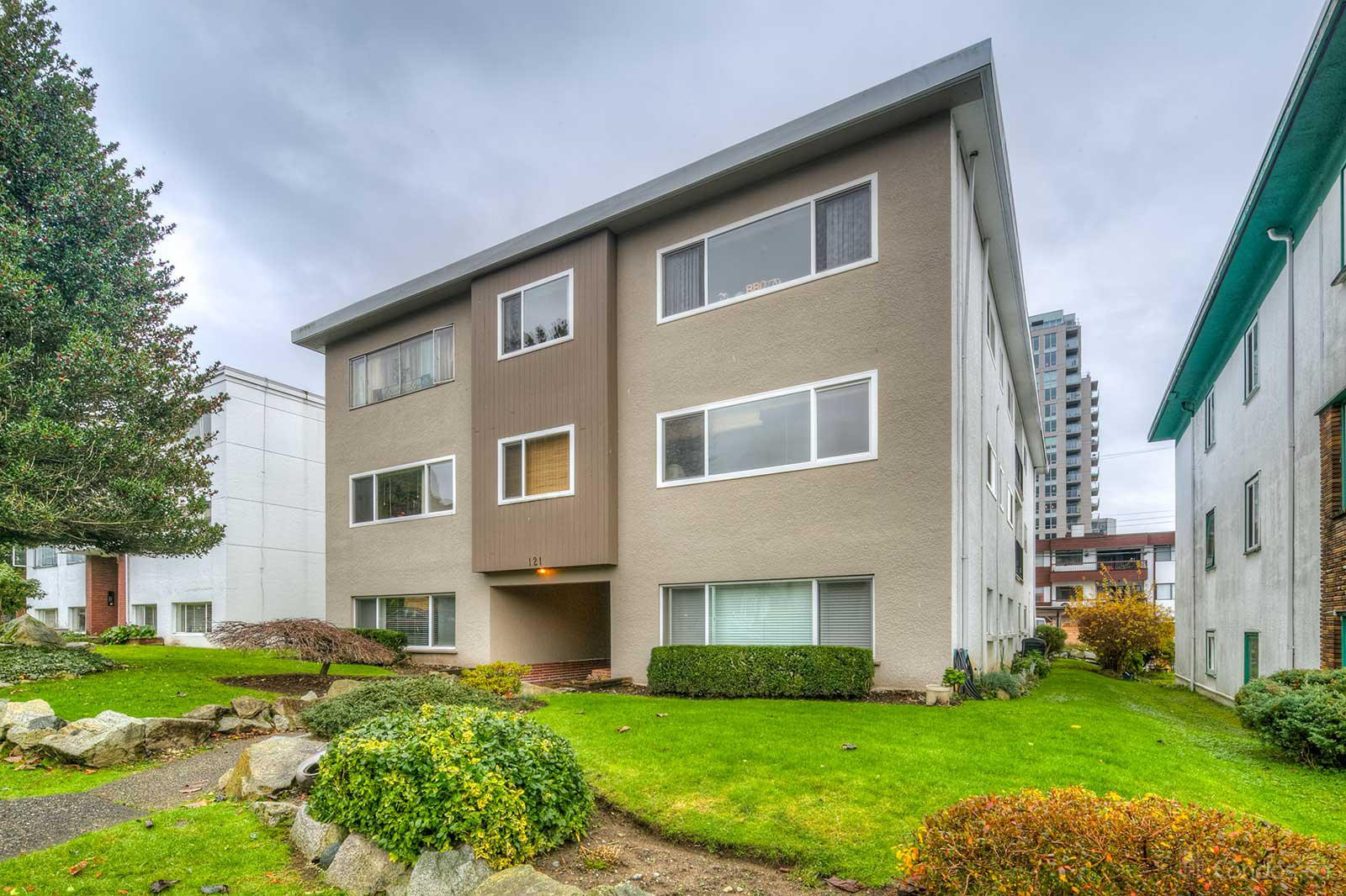 The Rosella at 121 18th St E, North Vancouver City 0