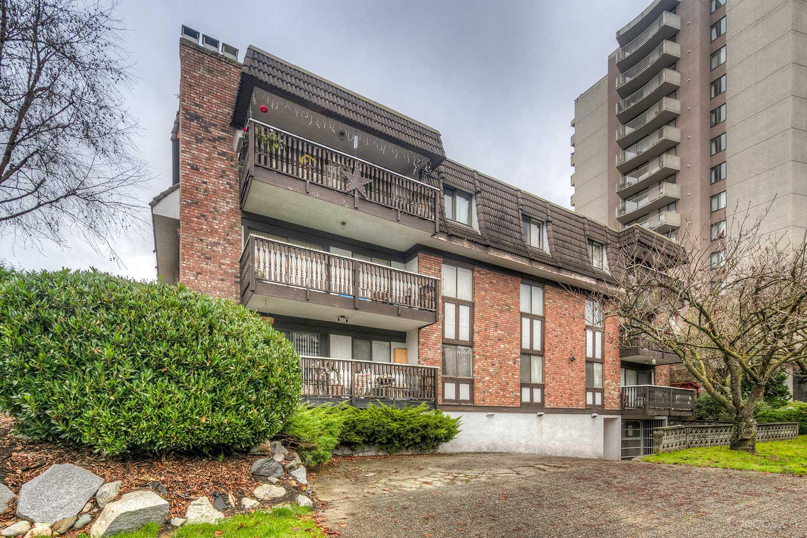 Canterbury House at 1610 Chesterfield Ave, North Vancouver City 0