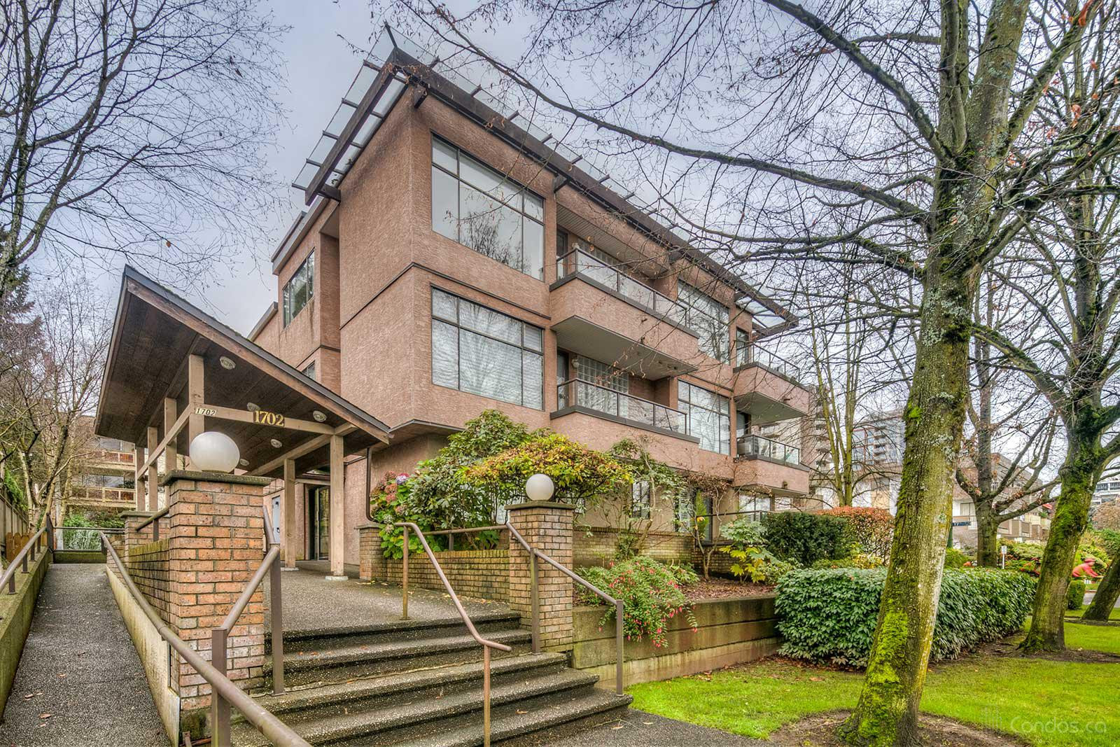 Chesterfield Place at 1702 Chesterfield Ave, North Vancouver City 0