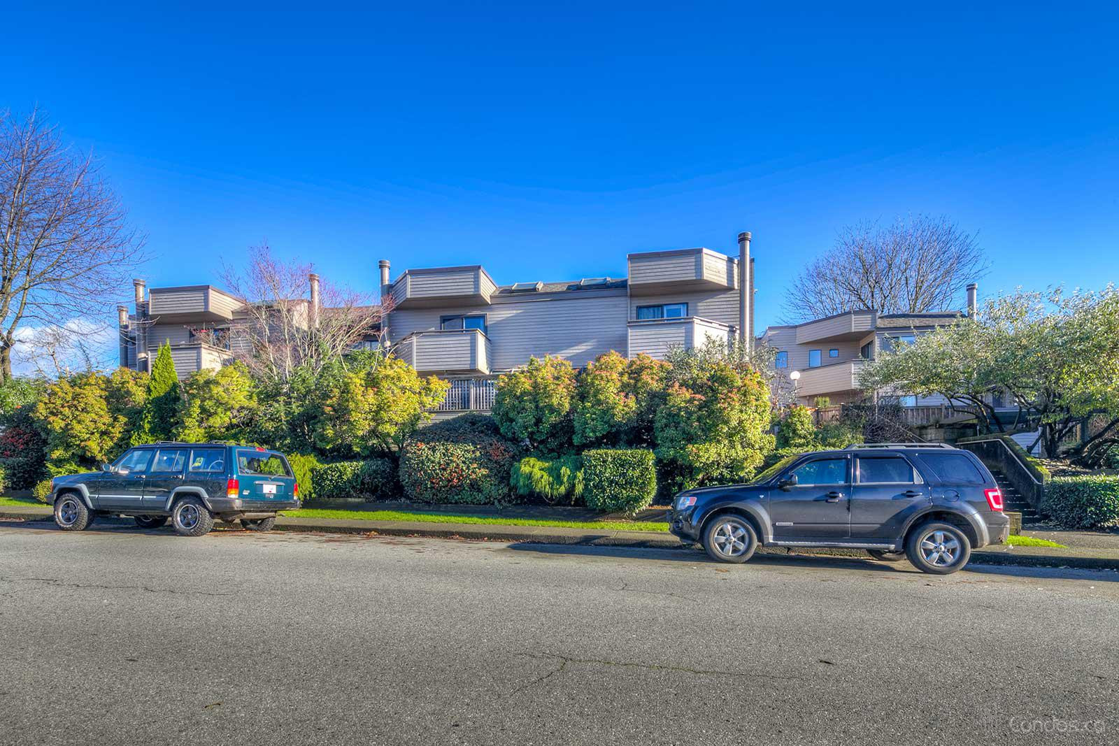 Executive Place at 1434 Mahon Ave, North Vancouver City 0