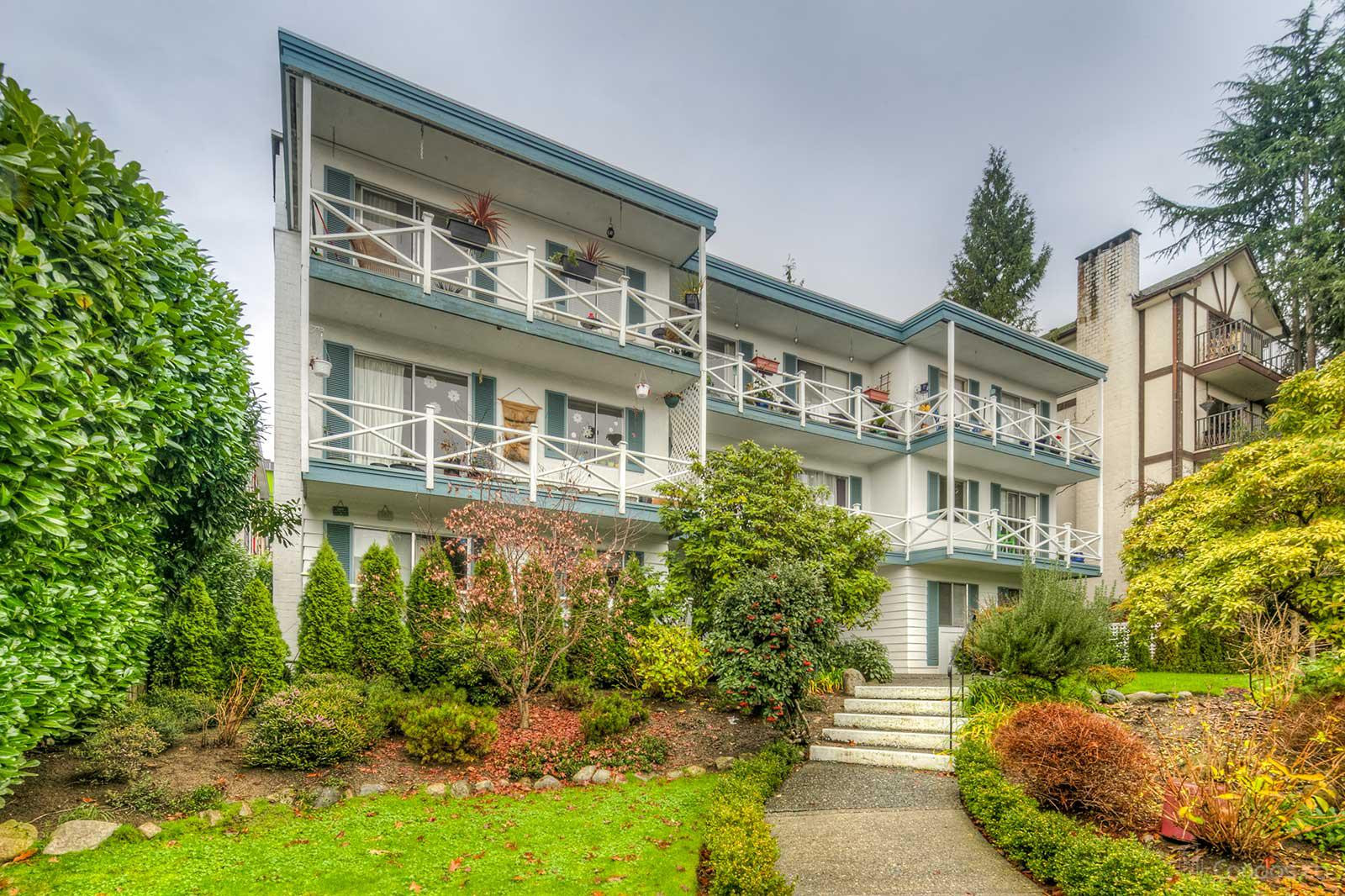 Georgian Manor at 140 20th St E, North Vancouver City 0