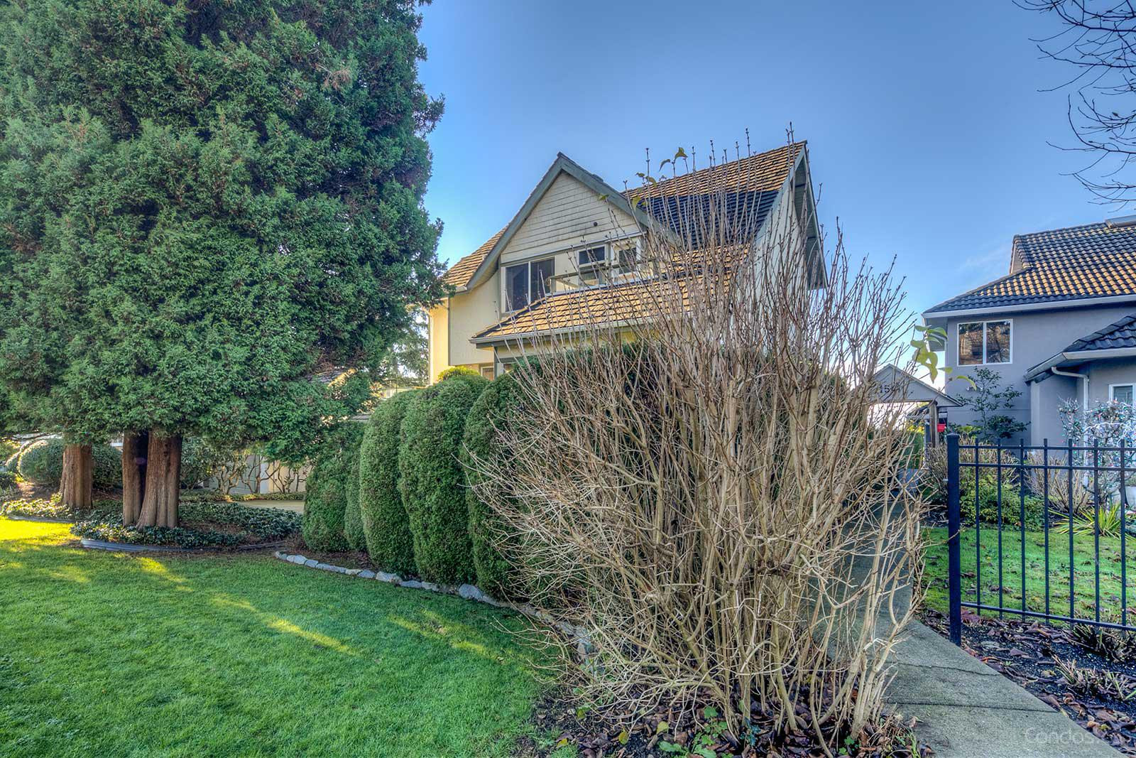 Heritage Court at 1511 Mahon Ave, North Vancouver City 0