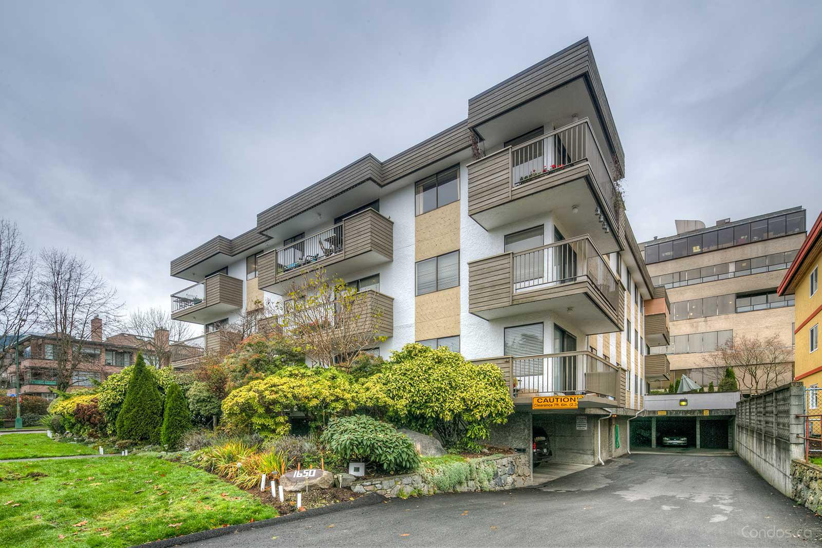 Mountain View Apartments at 1650 Chesterfield Ave, North Vancouver City 0
