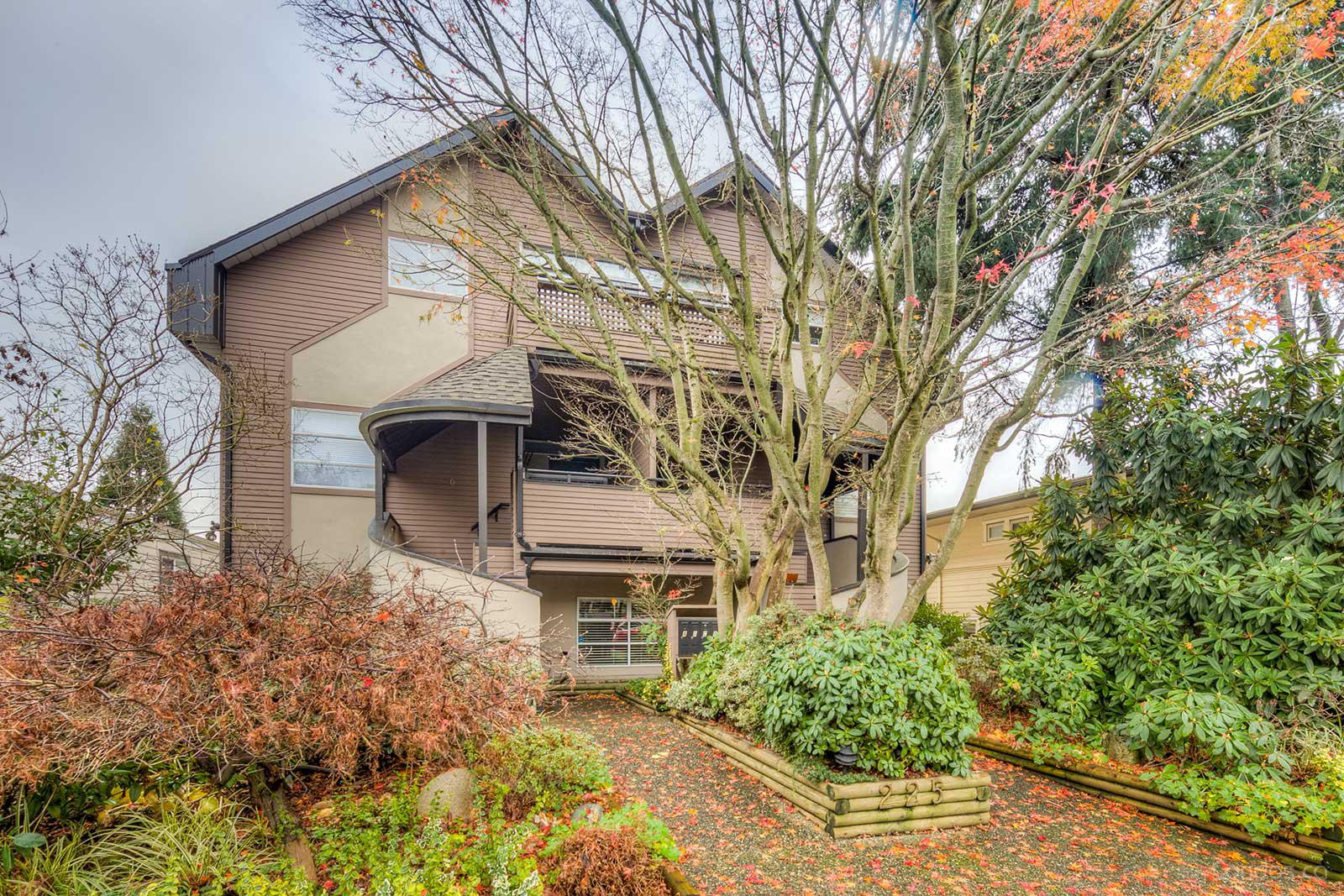 225 East 4th Street at 225 4th St E, North Vancouver City 0