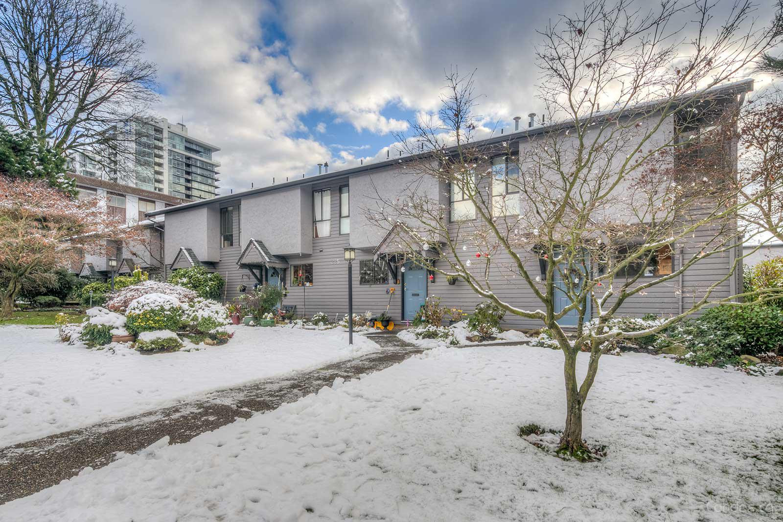 Carlton Court at 225 W 14th St, North Vancouver City 0
