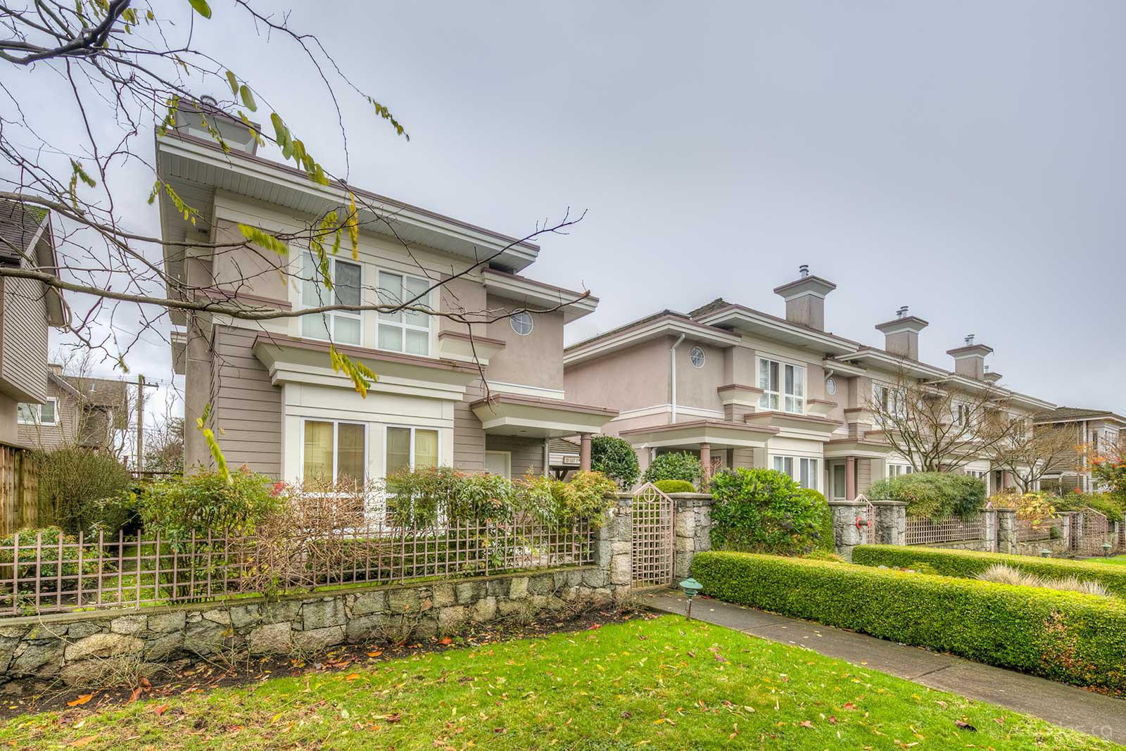 Heathwood Lane at 251 11th St E, North Vancouver City 0