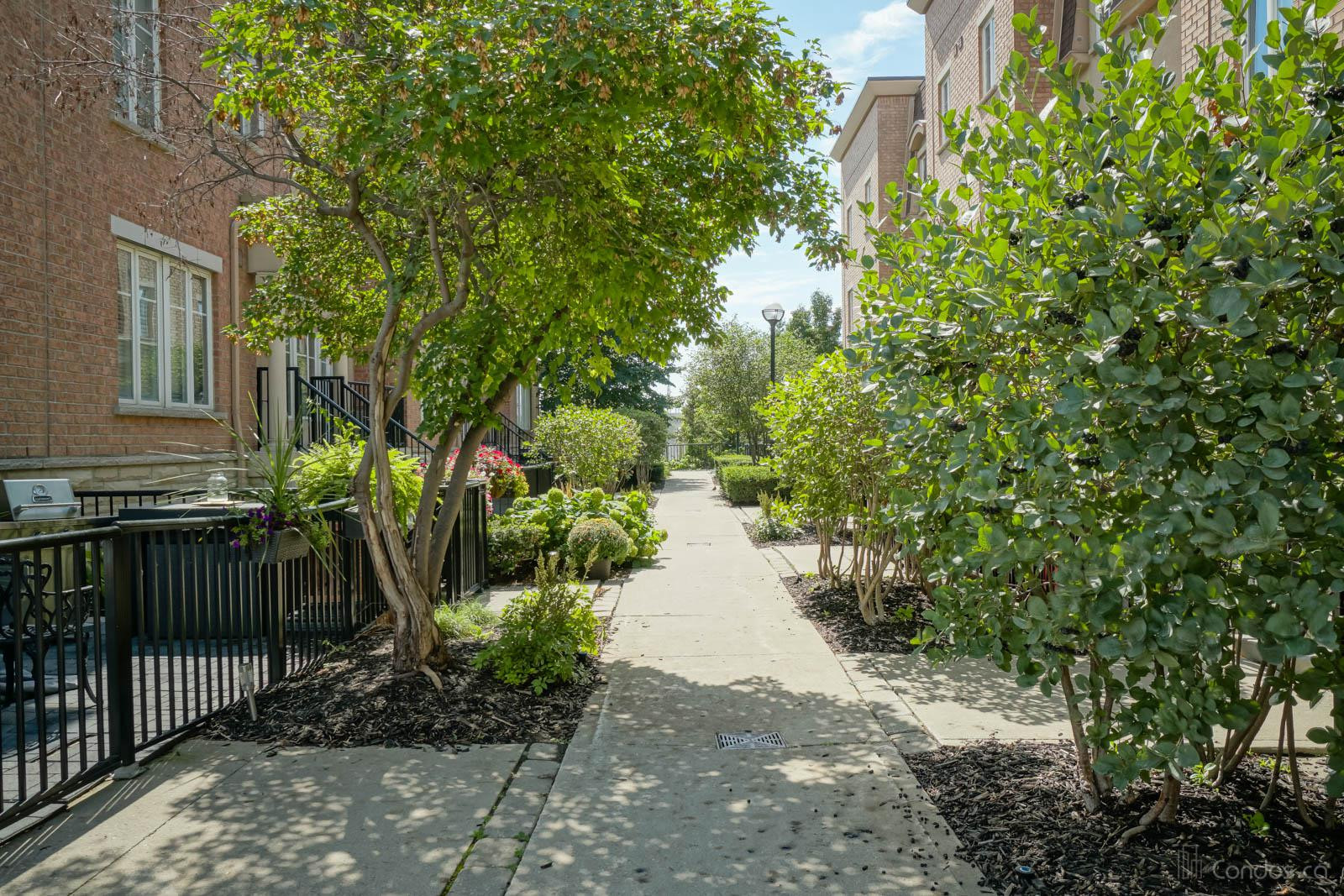 Liberty Village Townhomes Ⅱ at 22 Western Battery Rd, Toronto 1