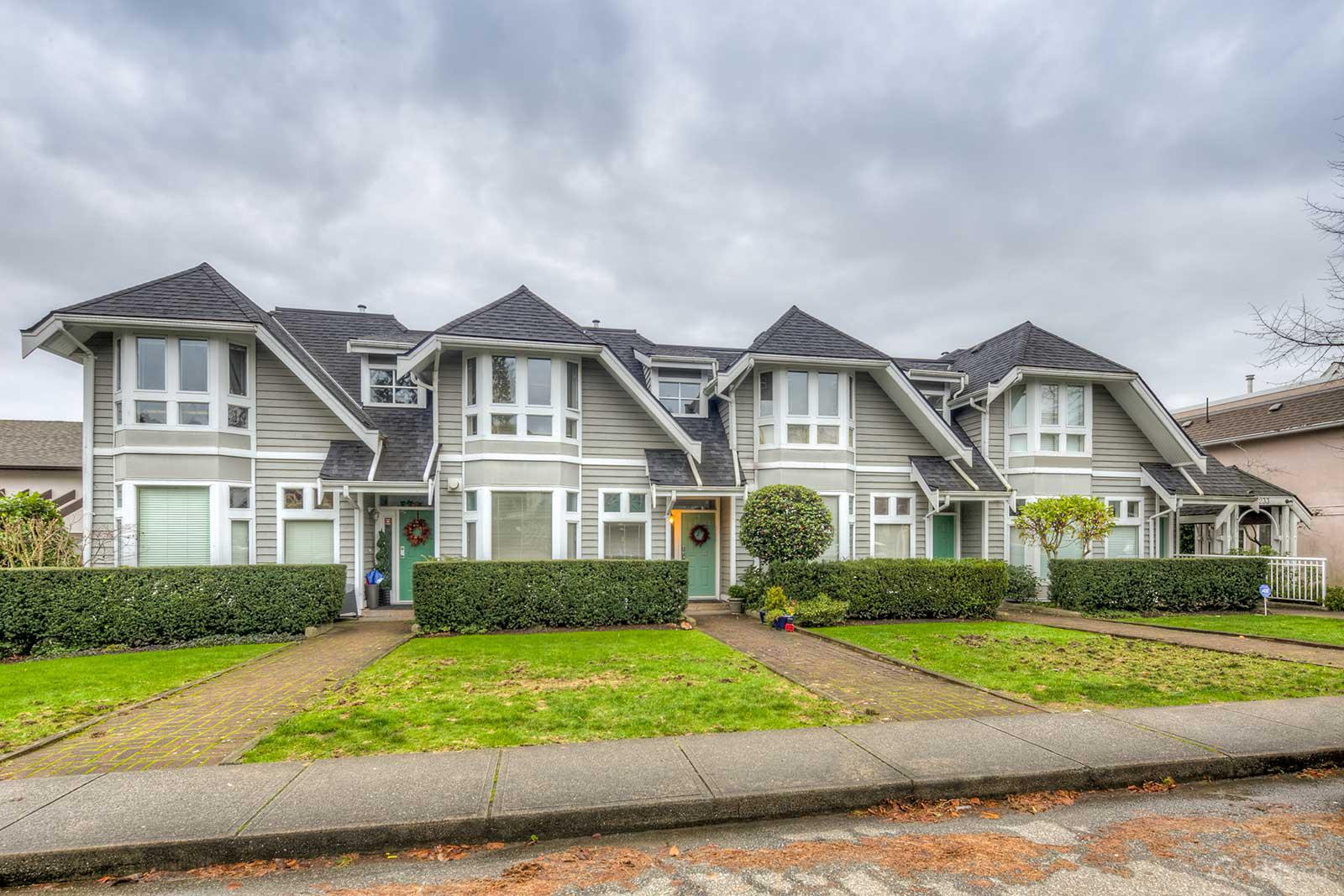 St Andrews House at 233 6th St E, North Vancouver City 0