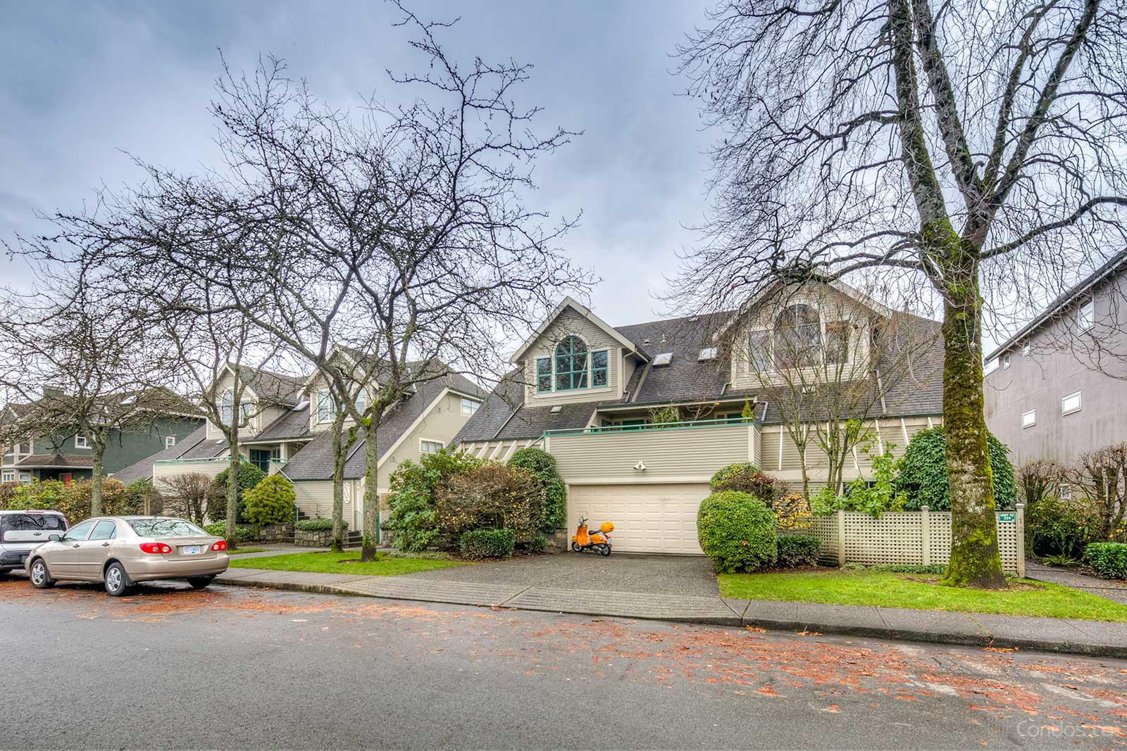 The Gables at 229 8th St E, North Vancouver City 0