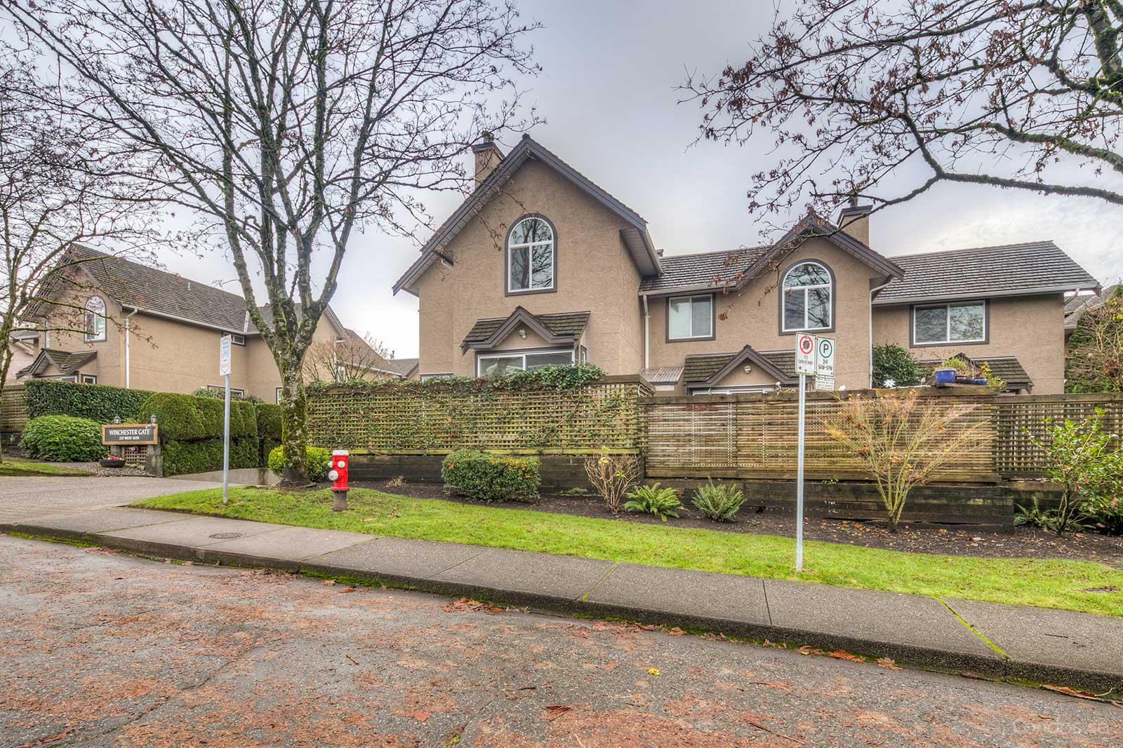 Winchester Gate at 237 16th St W, North Vancouver City 0