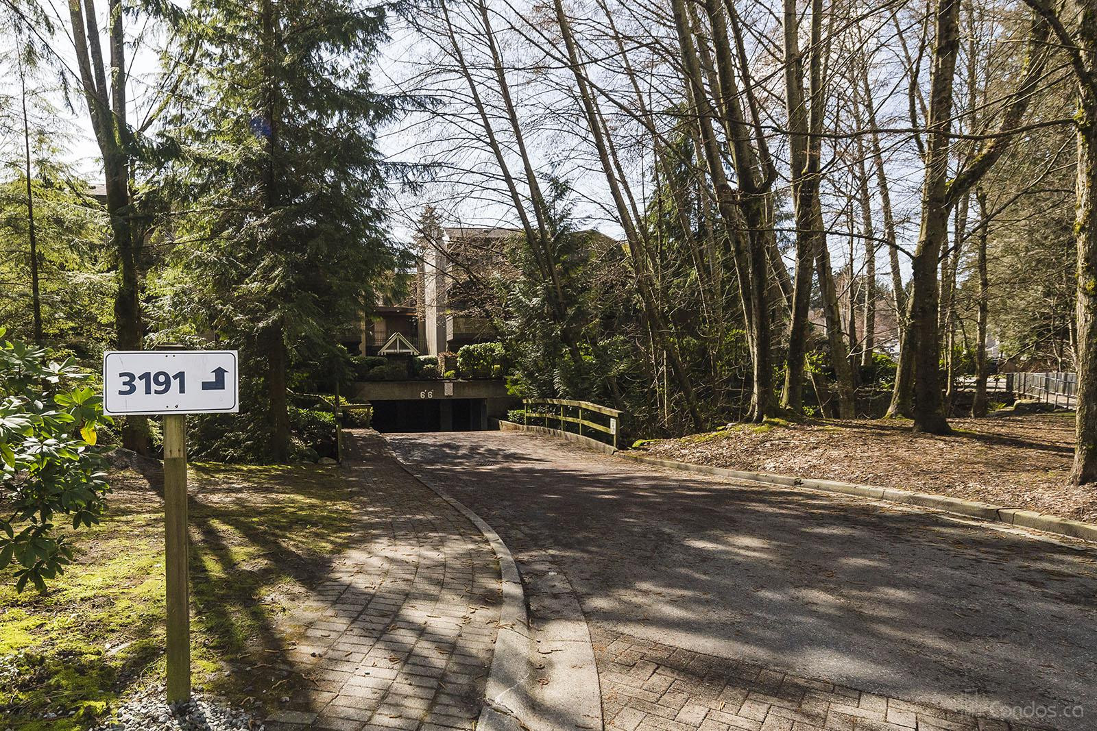 Lynn Terrace at 3187 Mountain Hwy, North Vancouver District 1