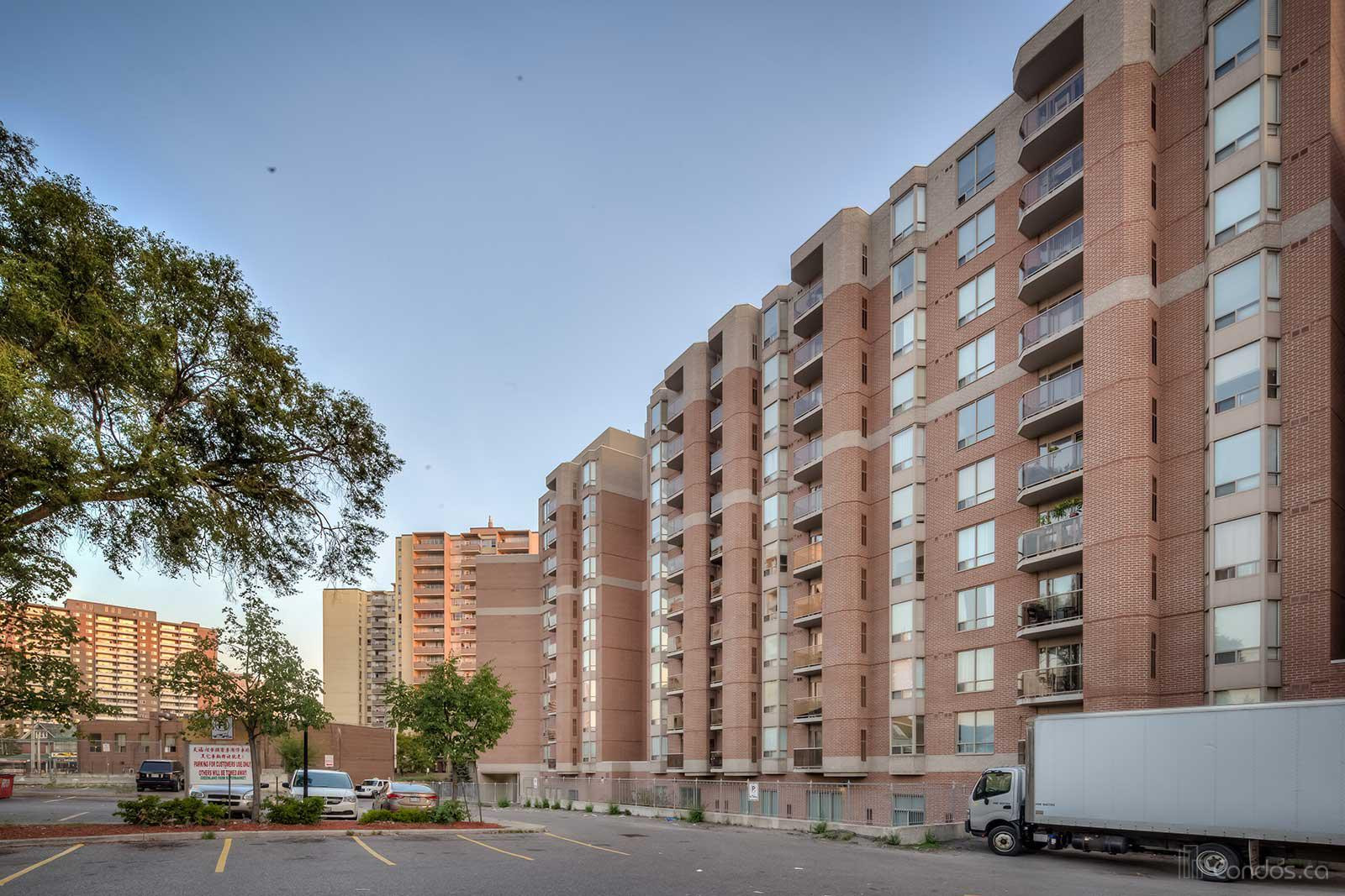 River Hill at 2088 Lawrence Ave W, Toronto 0