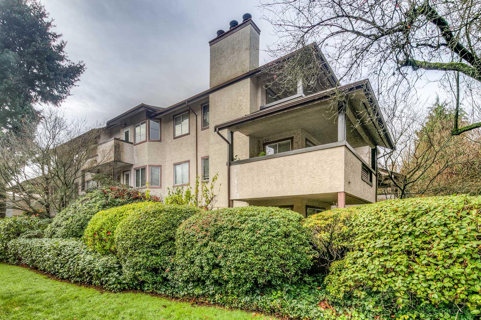 Panorama Court at 809 16th St W, North Vancouver City 0