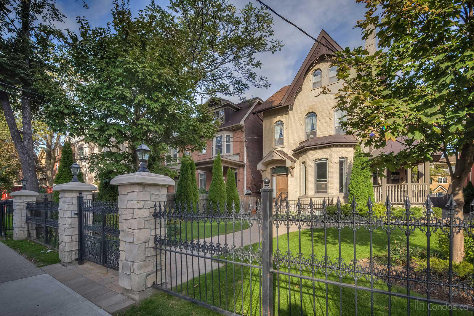The Four Courts Cabbagetown at 103 Pembroke St, Toronto 0