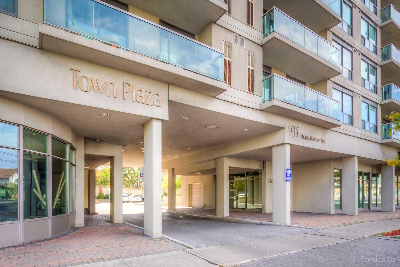 The Town Plaza at 935 Sheppard Ave W, Toronto 1