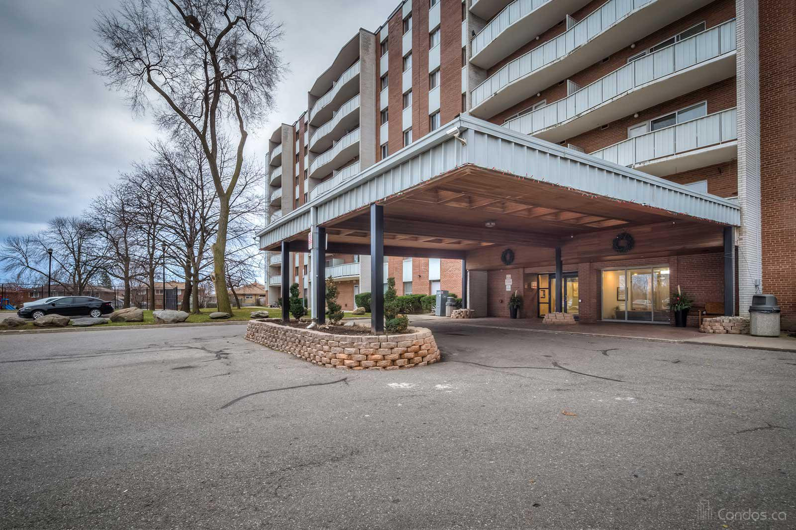 1660 Bloor Condos at 1660 Bloor St, Mississauga 0