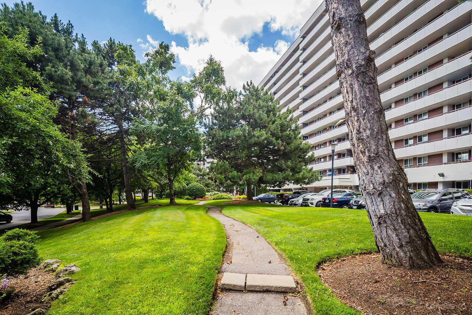 Royal Orchard II at 80 Inverlochy Blvd, Markham 0