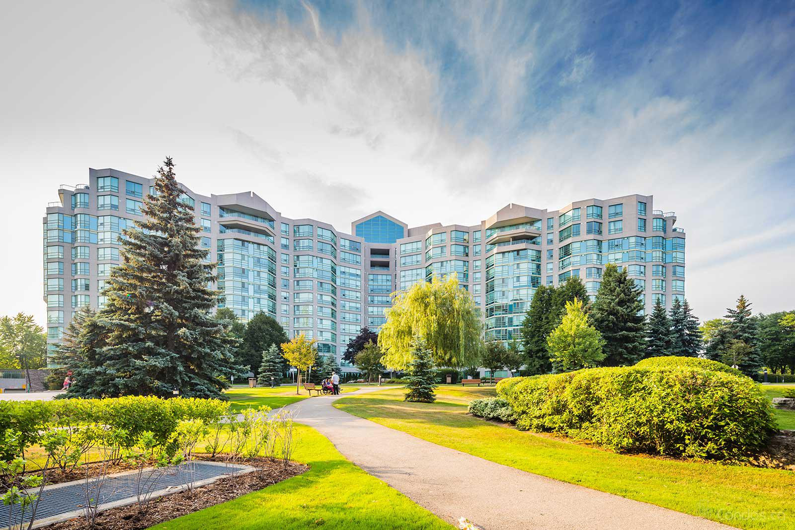 The Landmark of Thornhill at 7805 Bayview Ave, Markham 0