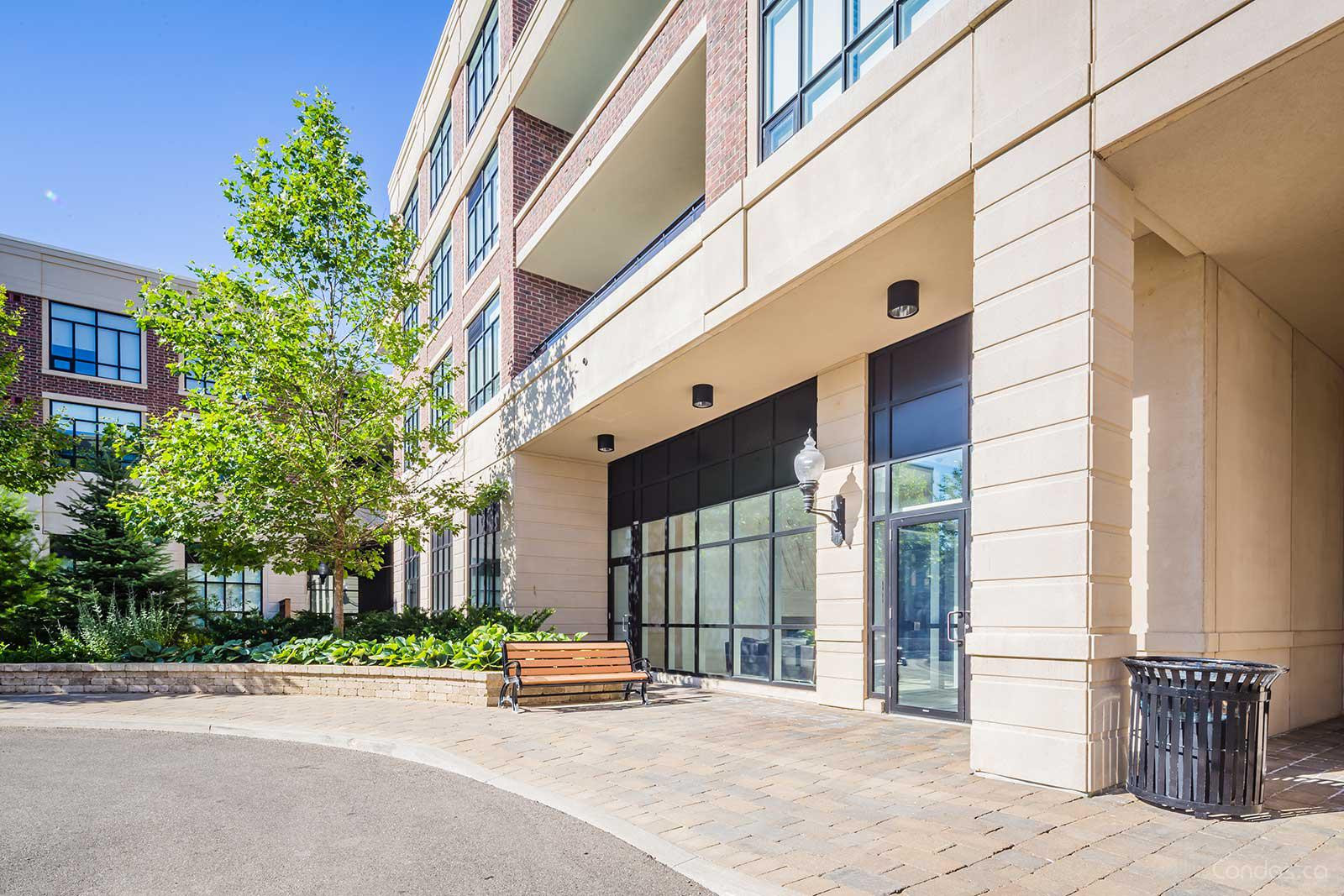 Courtyards of Maple at 2396 Major Mackenzie Dr, Vaughan 1