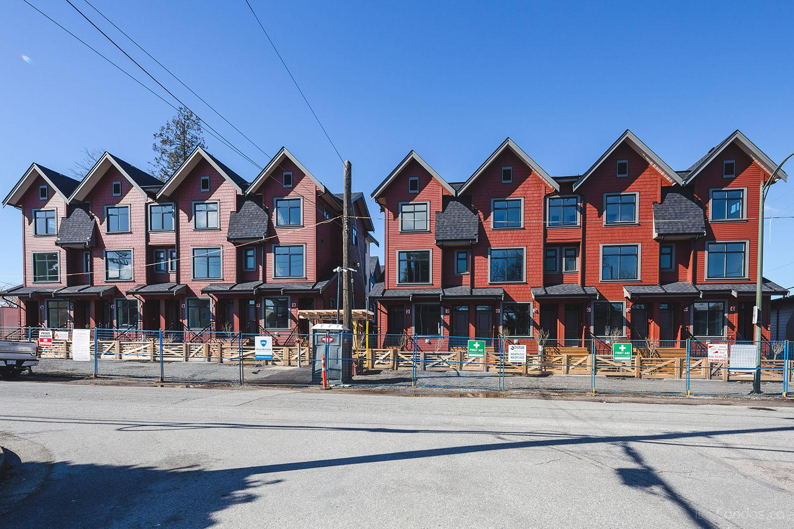 Avalon Mews at 2627 E 43rd Ave, Vancouver 1