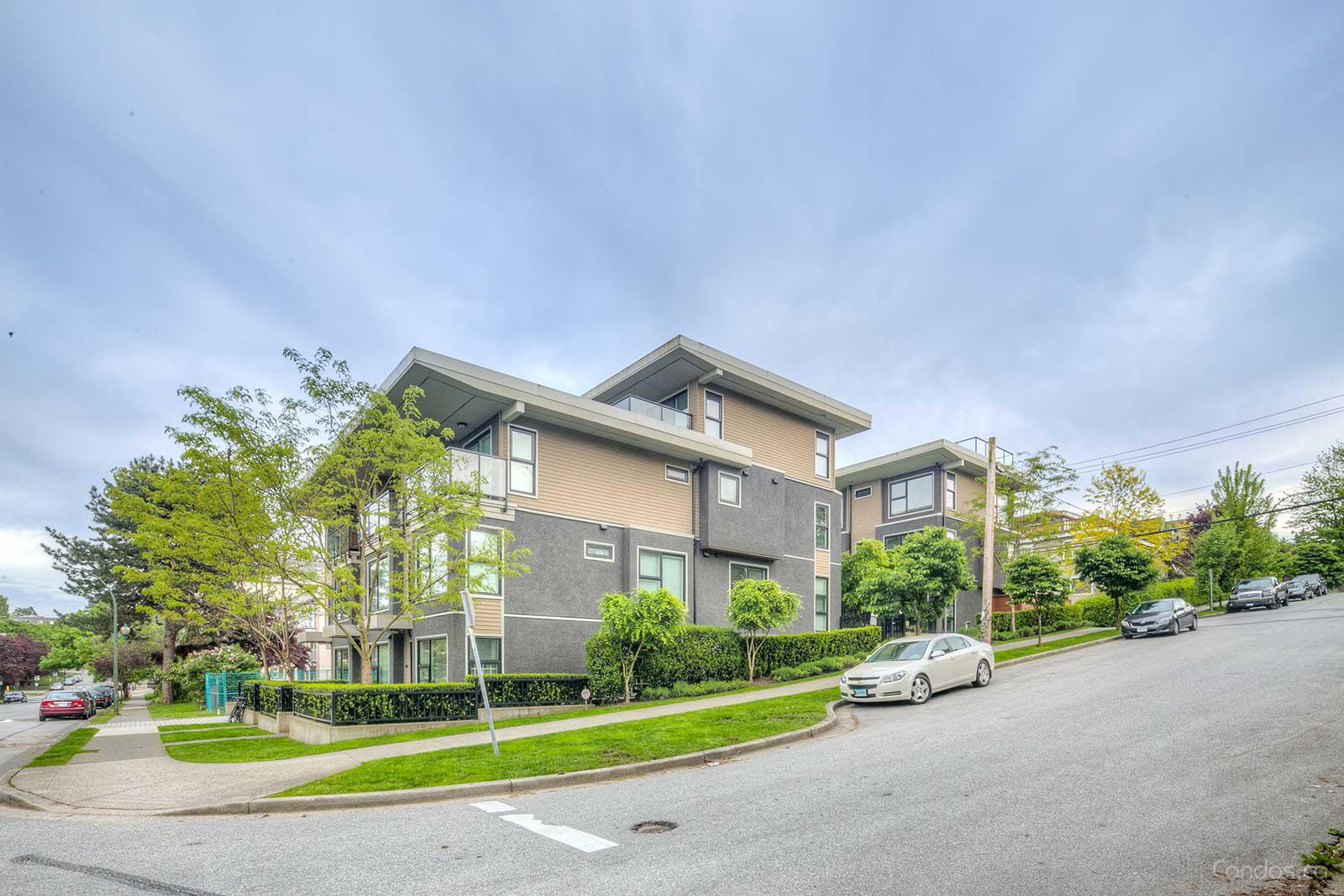 7 & W Townhomes at 1002 E 7th Ave, Vancouver 0