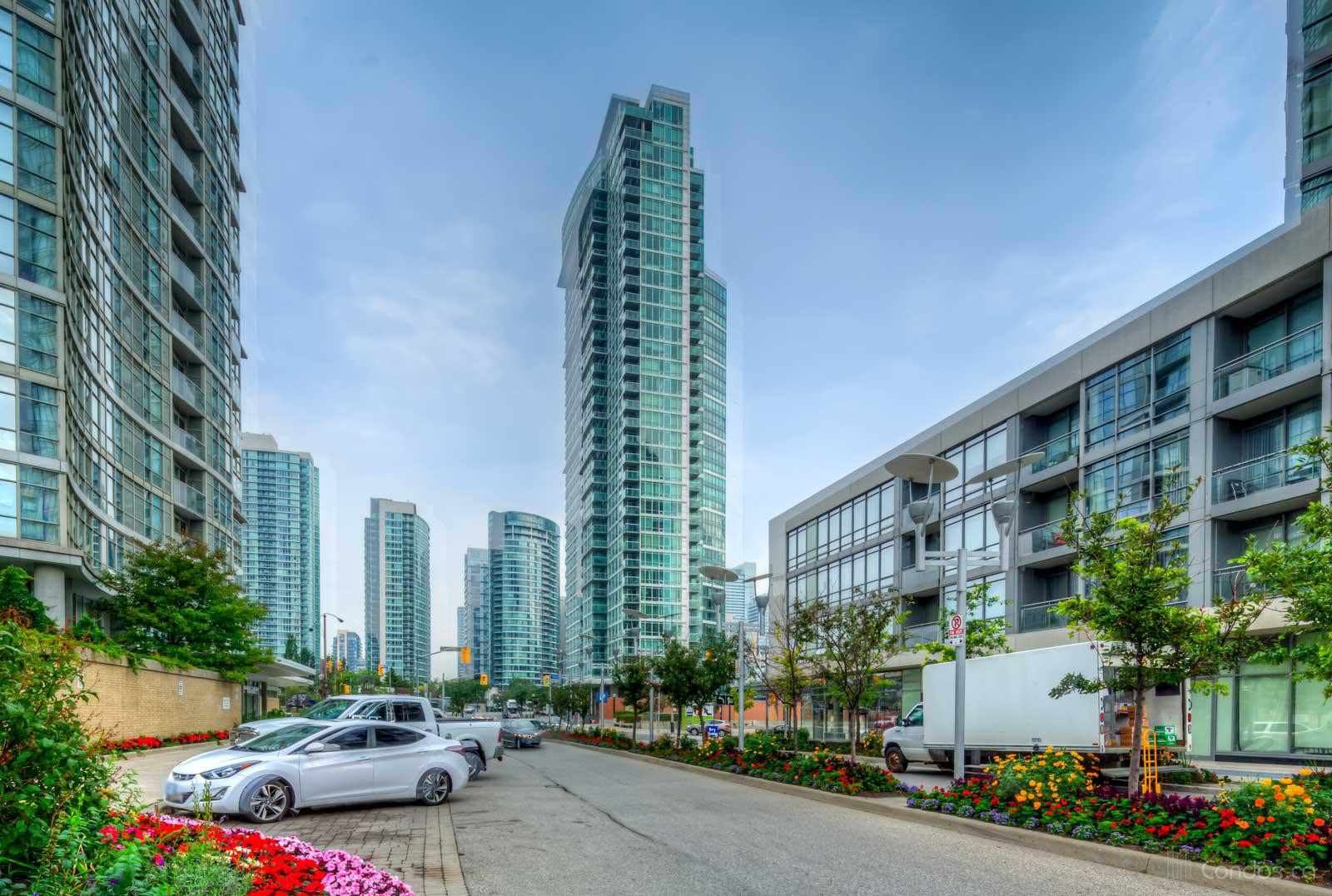 Optima - CityPlace at 81 Navy Wharf Crt, Toronto 1