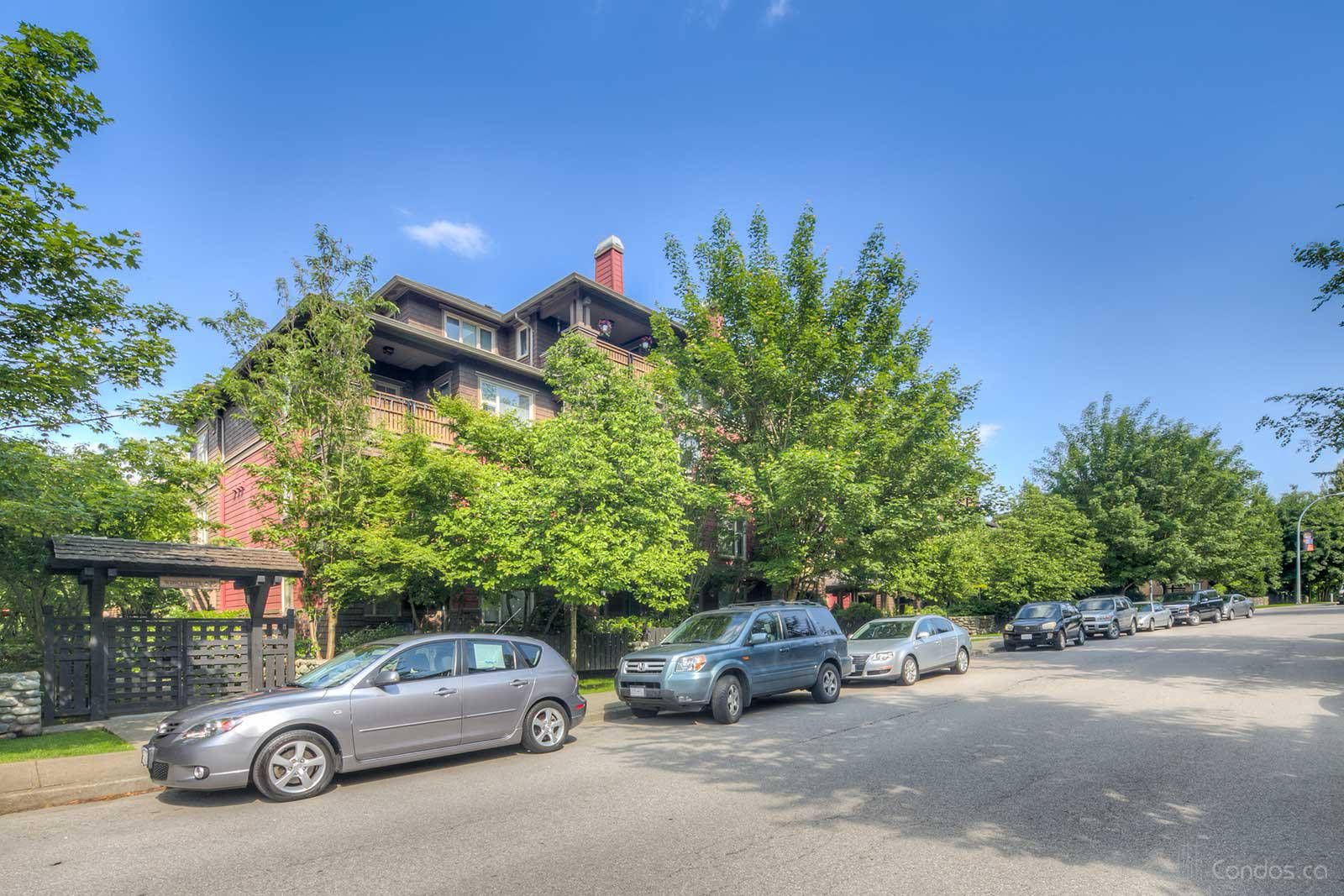 The Winchester at 675 Park Crescent, New Westminster 0