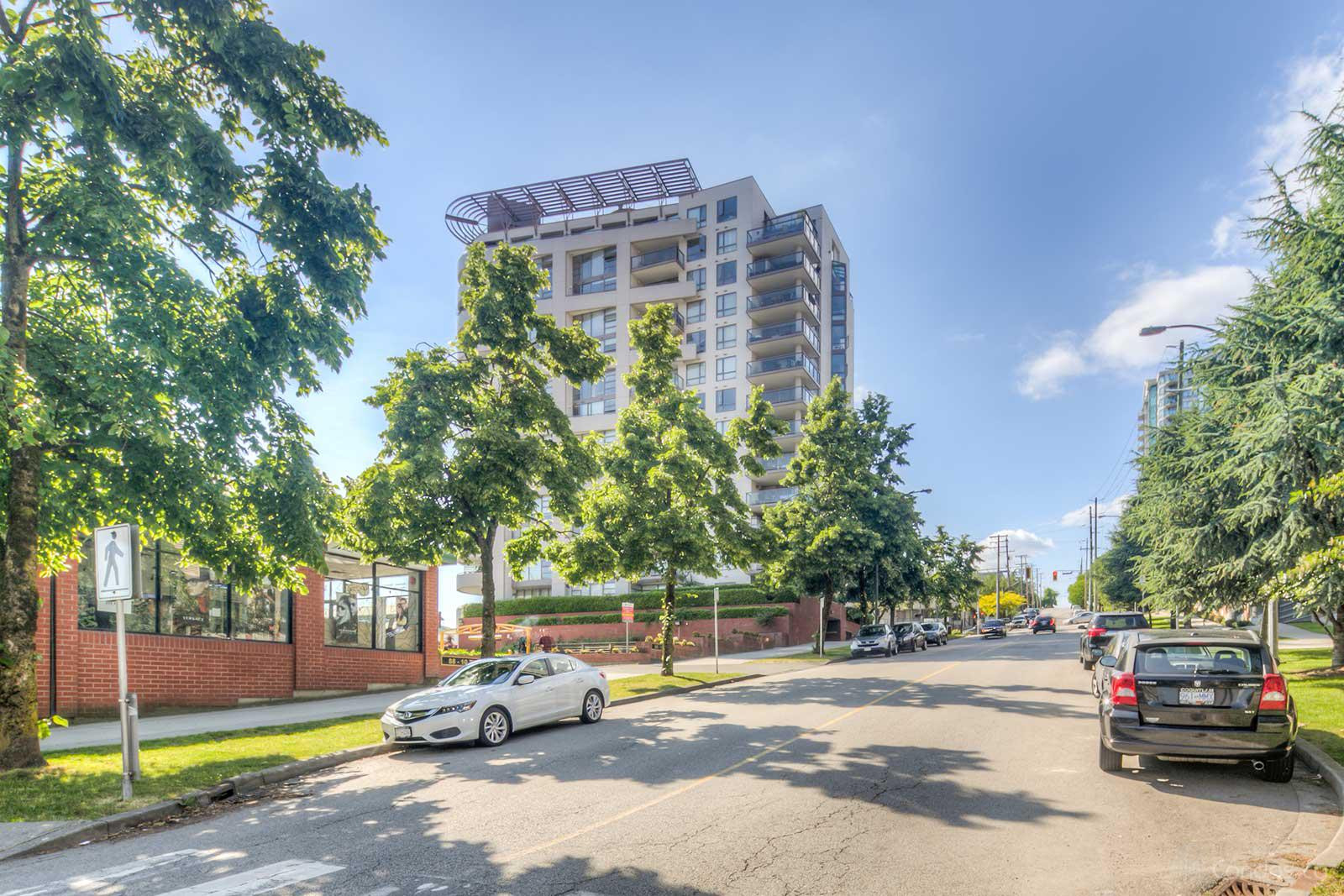 Plaza Pointe at 98 10th St, New Westminster 1
