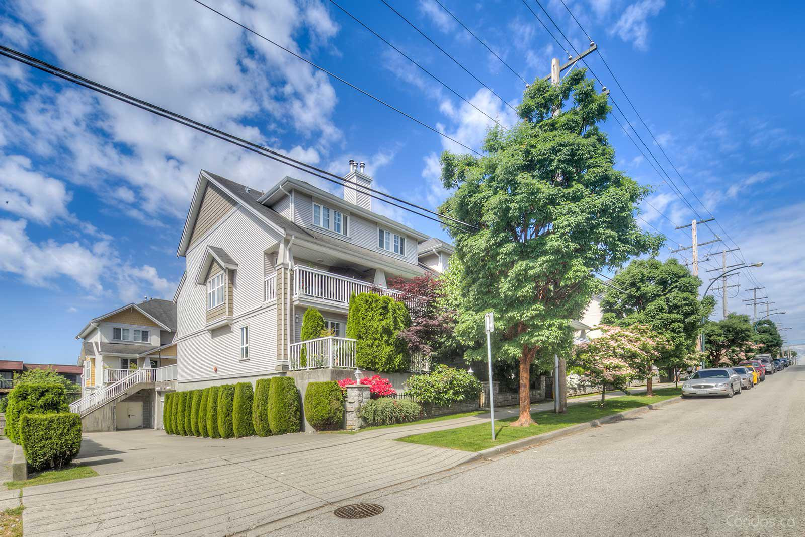 Cobblestone Walk at 220 10th St, New Westminster 1