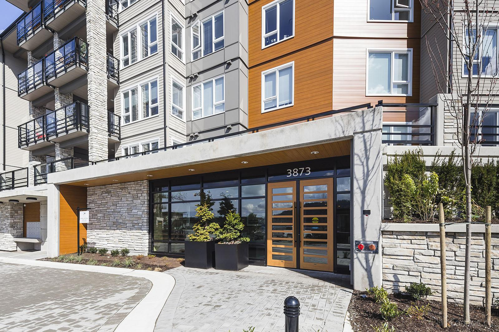 Cates Landing at 3919 Dollarton Hwy, North Vancouver District 1