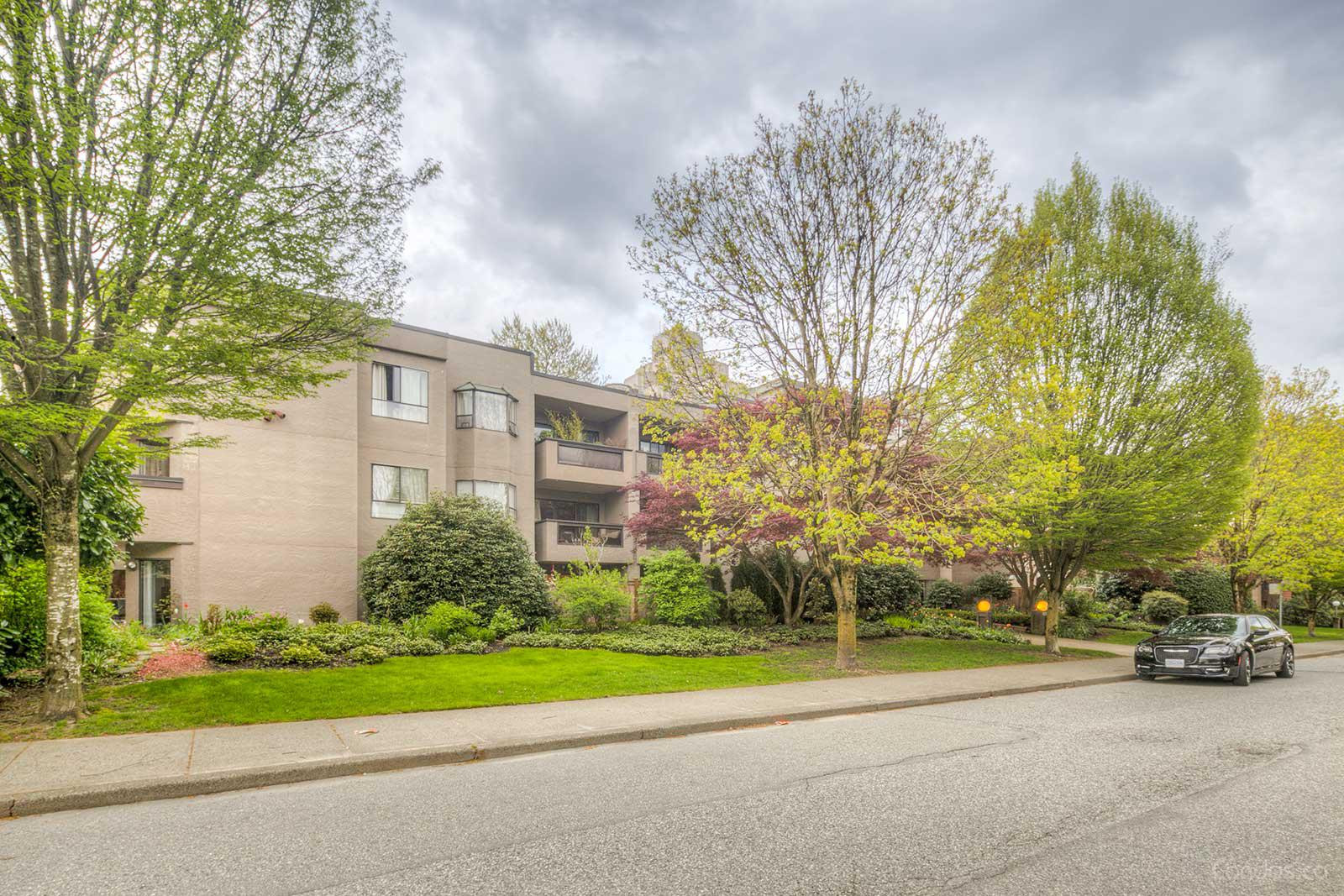 Oakmont Place at 975 W 13th Ave, Vancouver 0