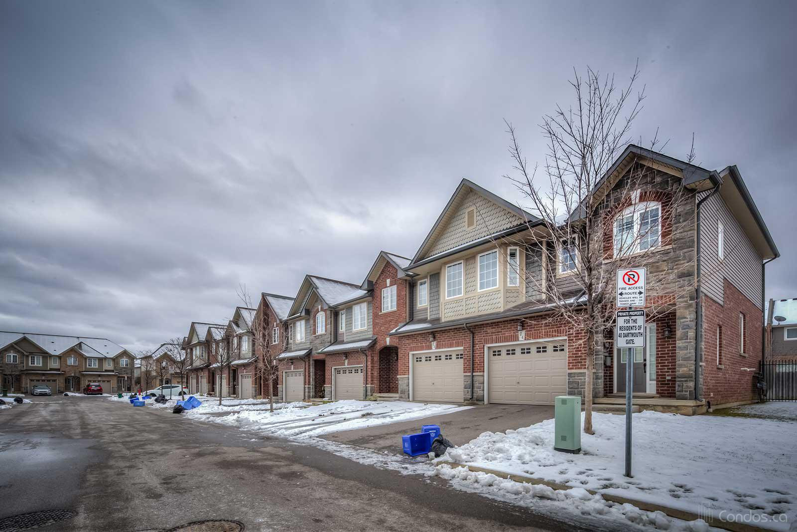 40 Darthmouth Condos at 40 Dartmouth Gate, Stoney Creek 1