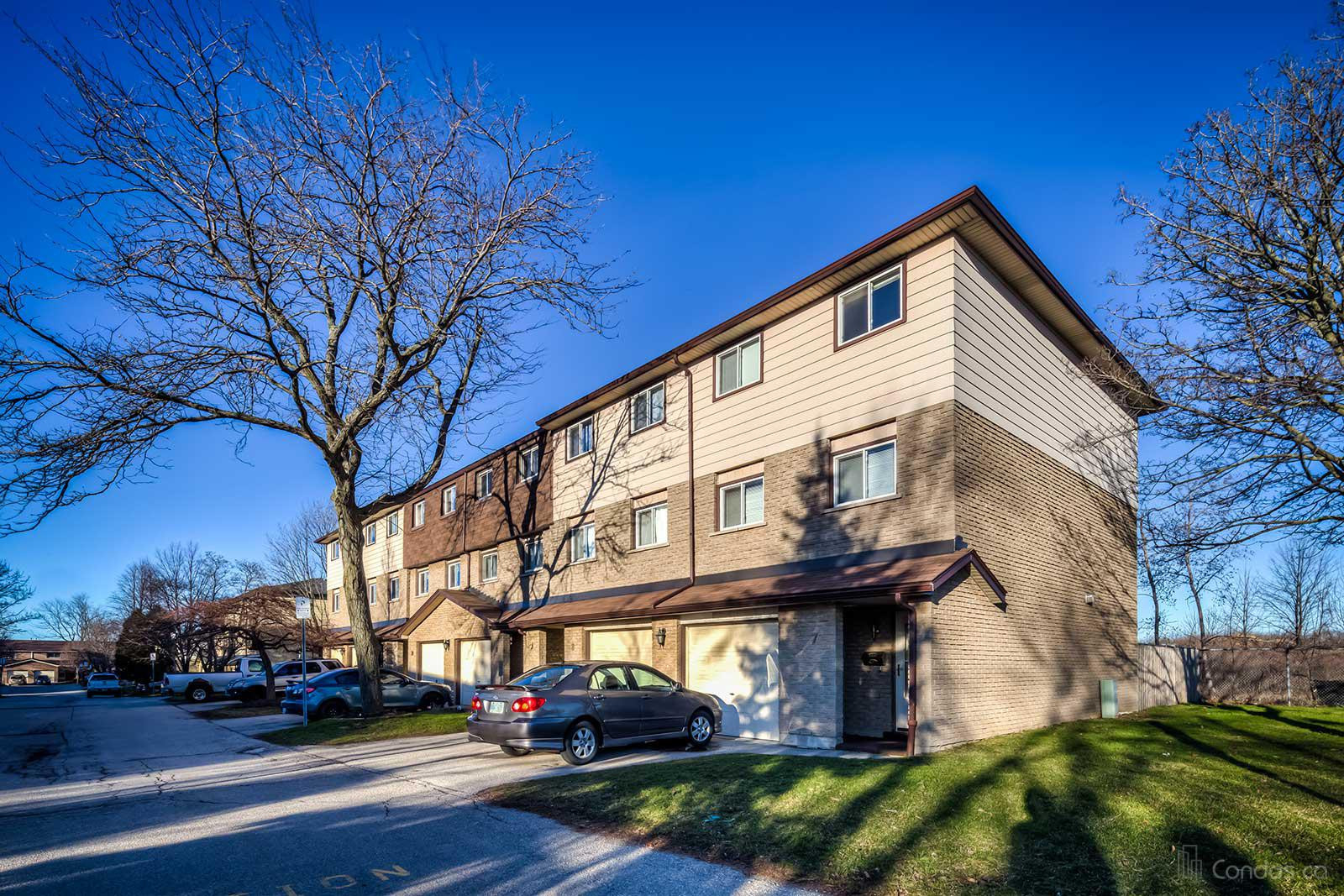 1455 Garth Condos at 1455 Garth St, Hamilton City 1