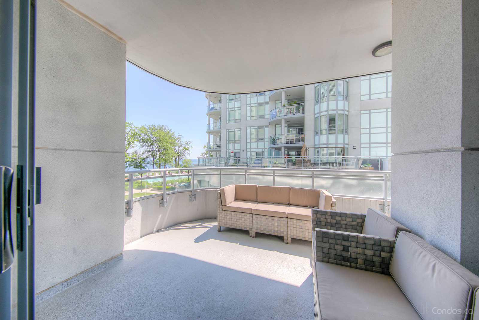 Bluwater Condos at 3500 Lakeshore Rd W, Oakville 0