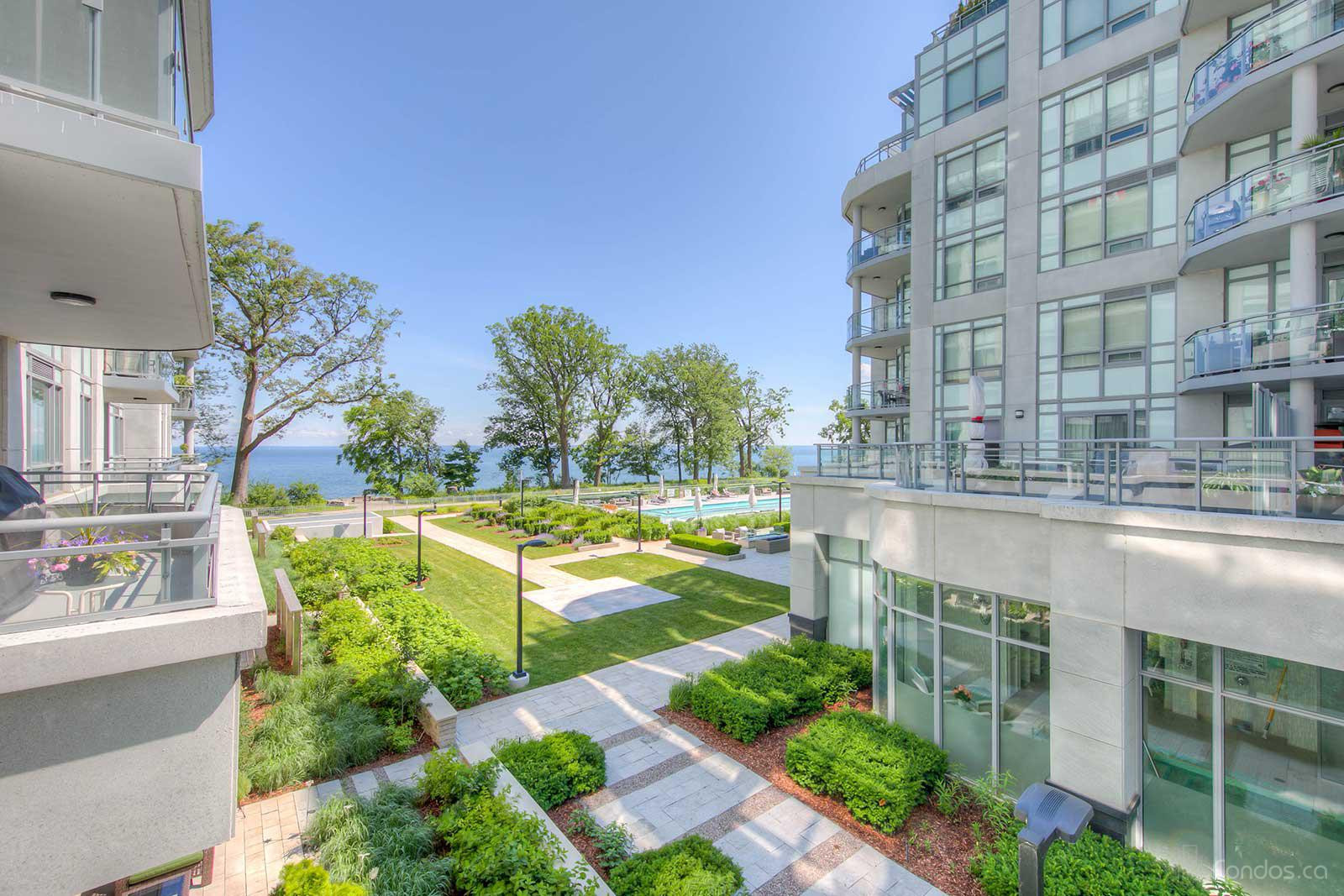 Bluwater Condos at 3500 Lakeshore Rd W, Oakville 1