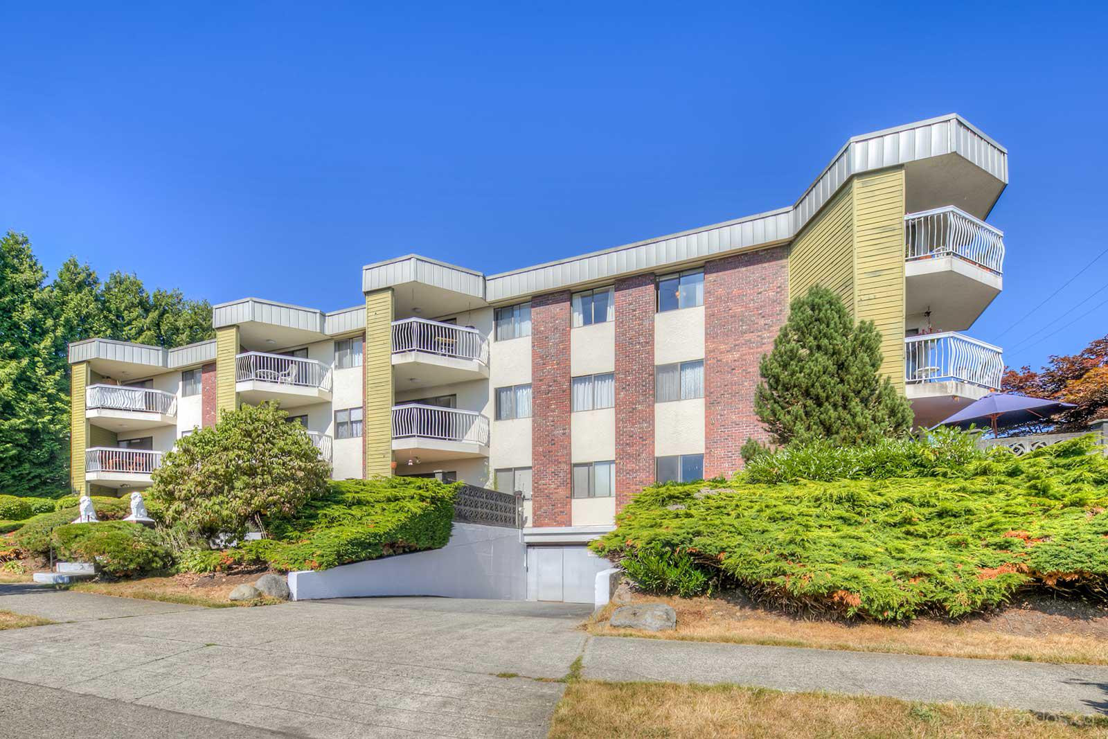 Kennedy Manor at 327 Ninth St, New Westminster 1