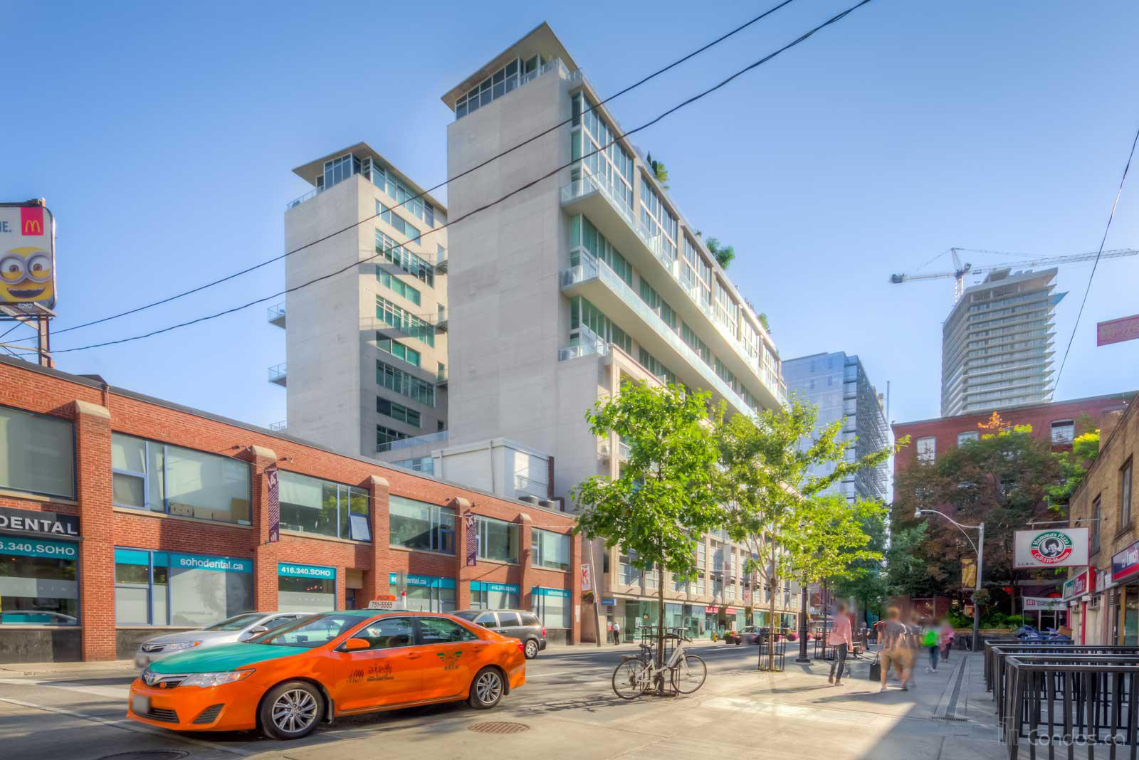 District Lofts at 388 Richmond St W, Toronto 1