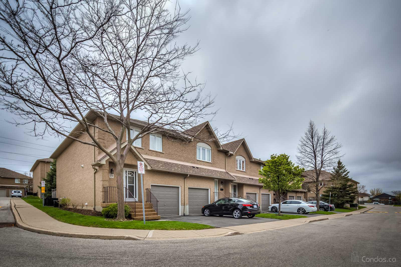100 Vineberg Condos at 100 Vineberg Dr, Glanbrook 0