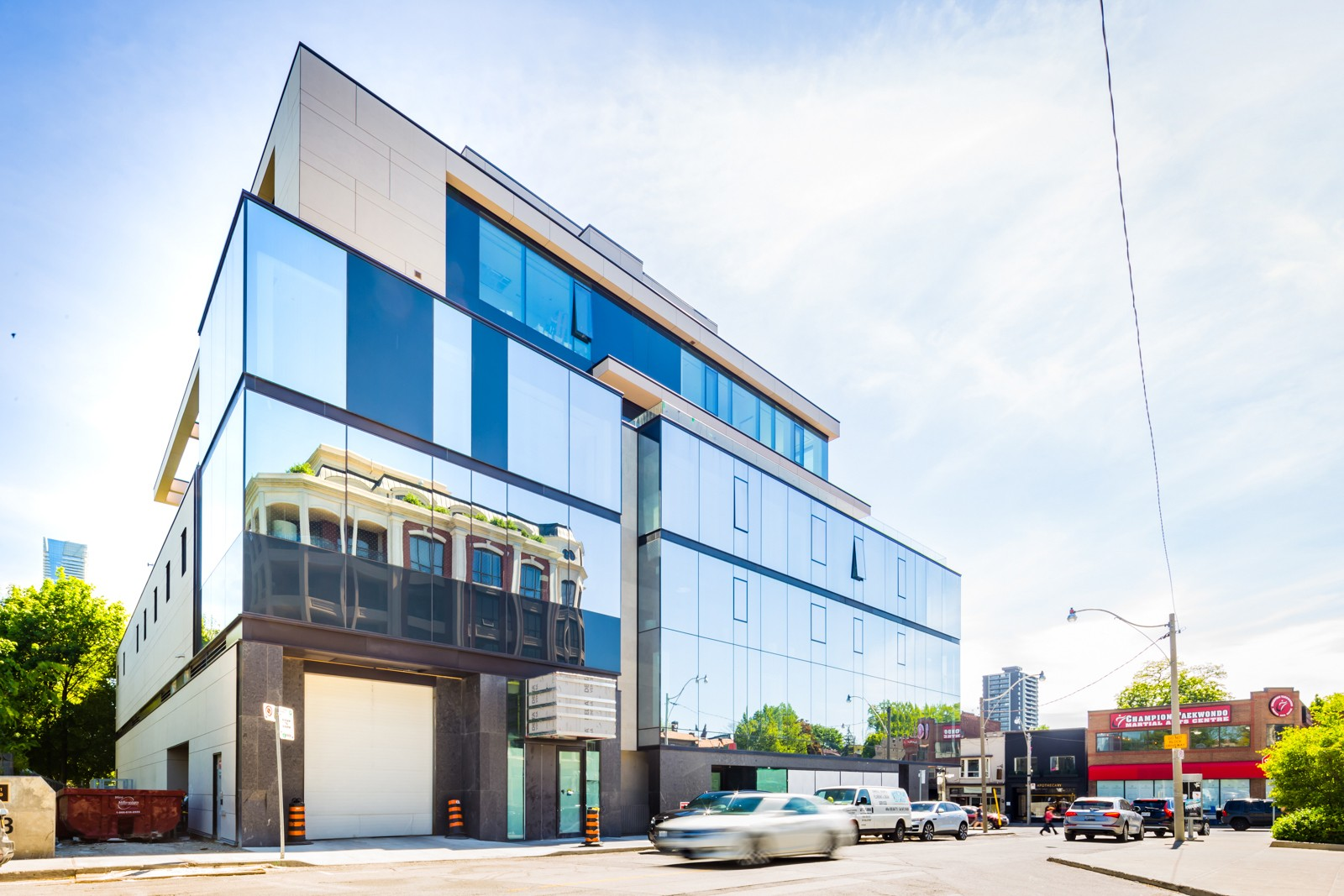 Hill and Dale Residences at 1 Roxborough St E, Toronto 1