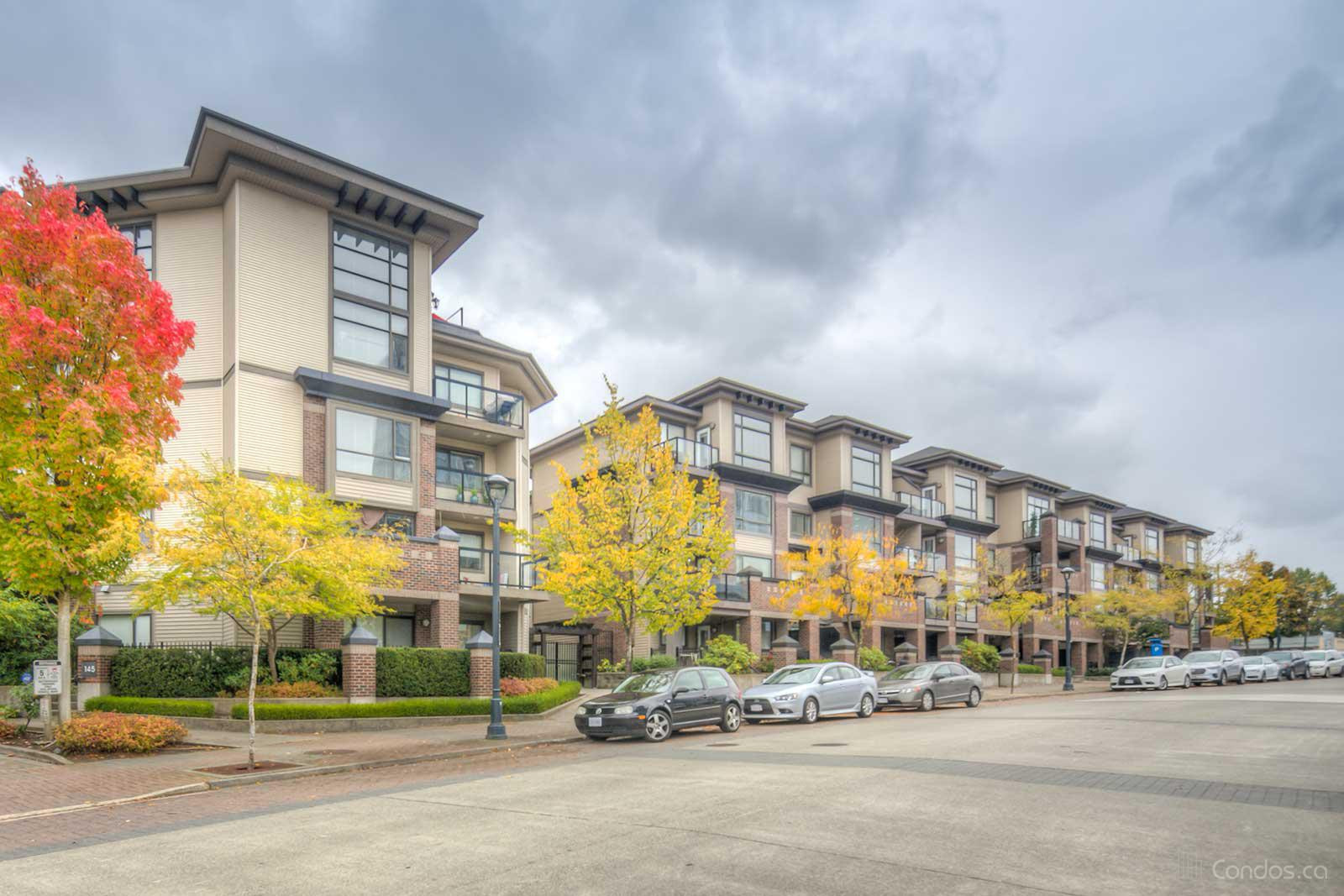 Access at 10838 City Pkwy, Surrey 0